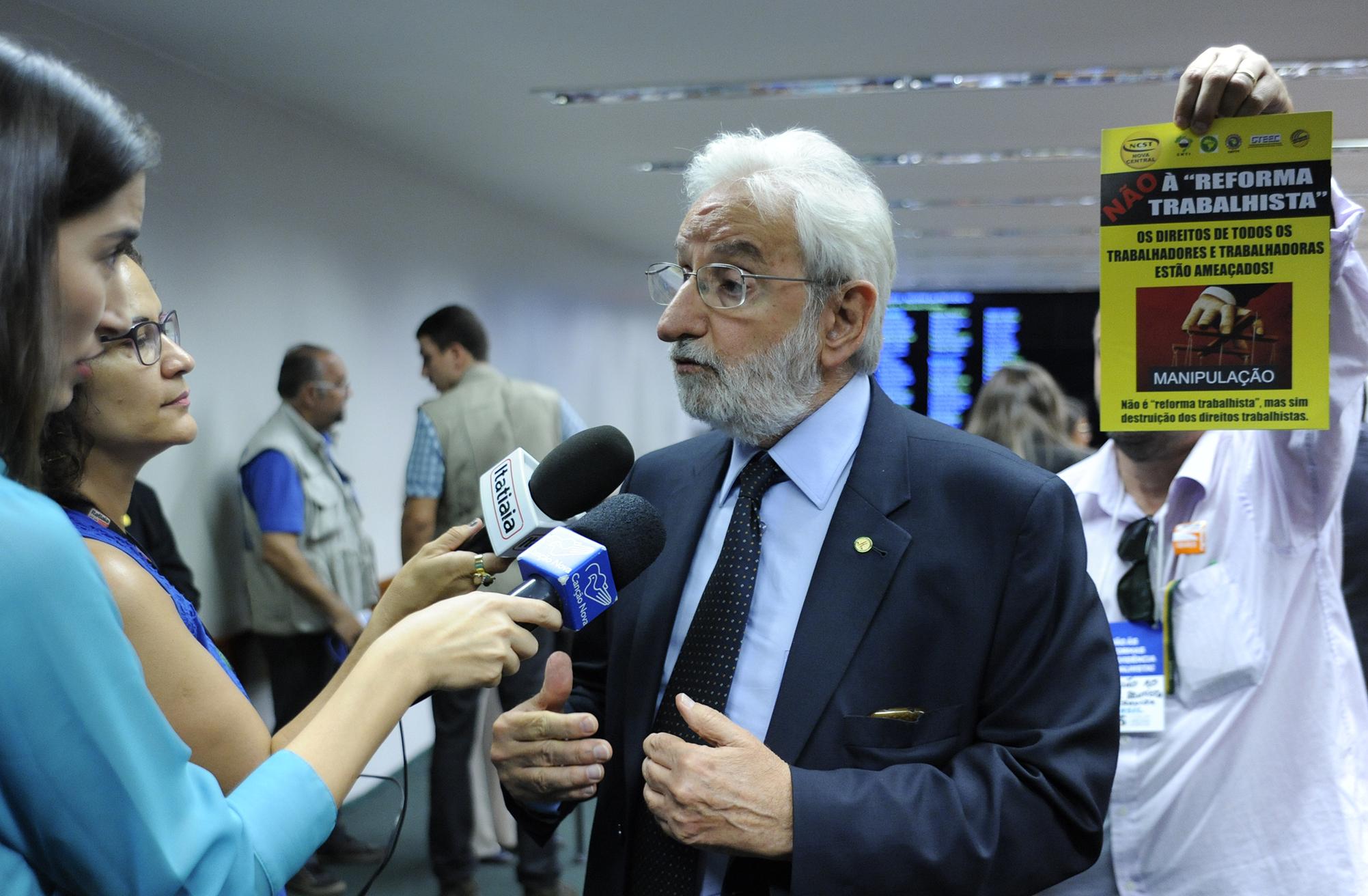 Dep. Ivan Valente (PSOL-SP) concede entrevista