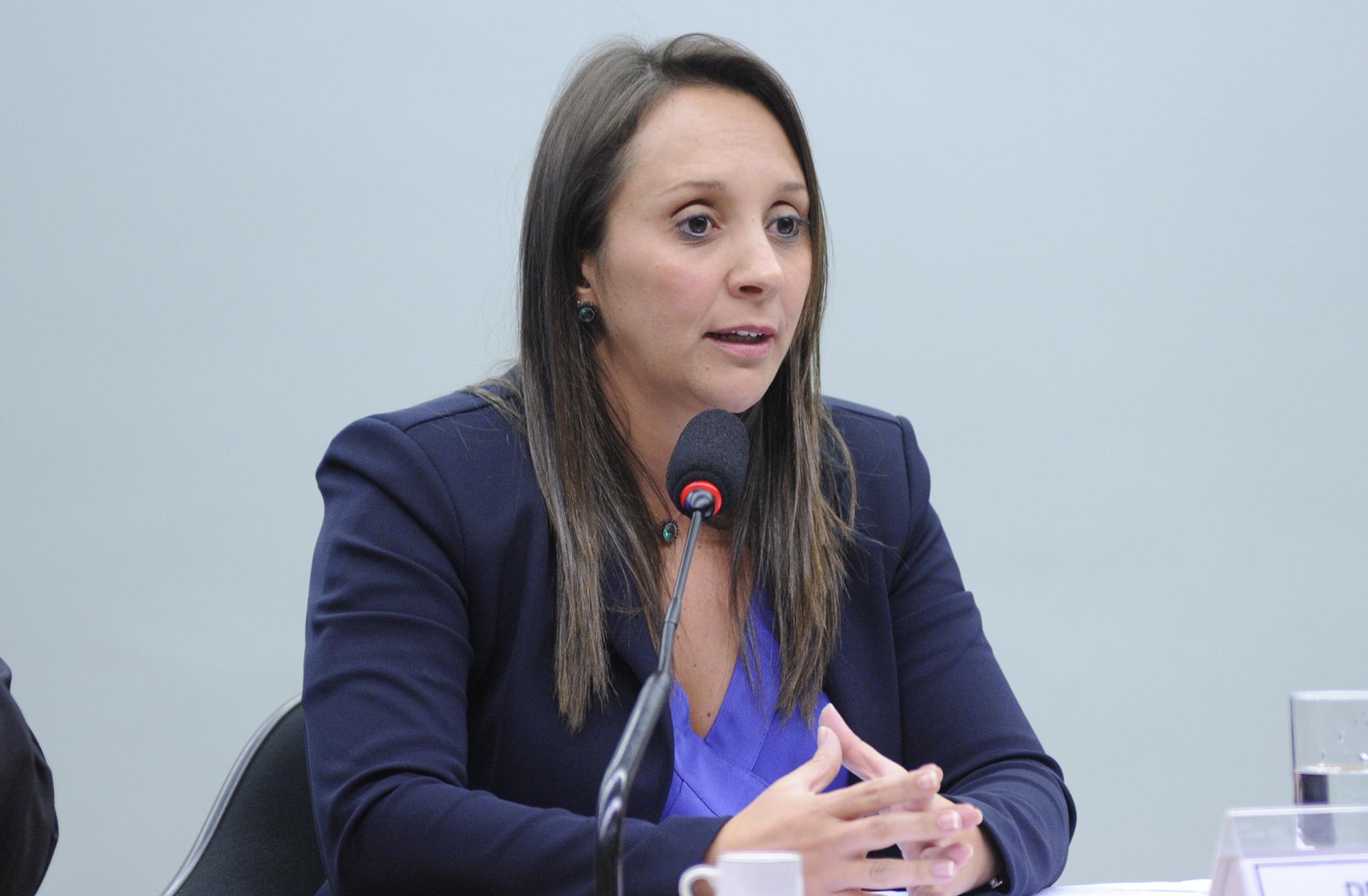Comissão Especial sobre a Reforma Política, Tribunal Superior Eleitoral (TSE) e Instituto Idea realizam seminário internacional sobre Sistemas Eleitorais. Dep. Renata Abreu (PTN-SP)