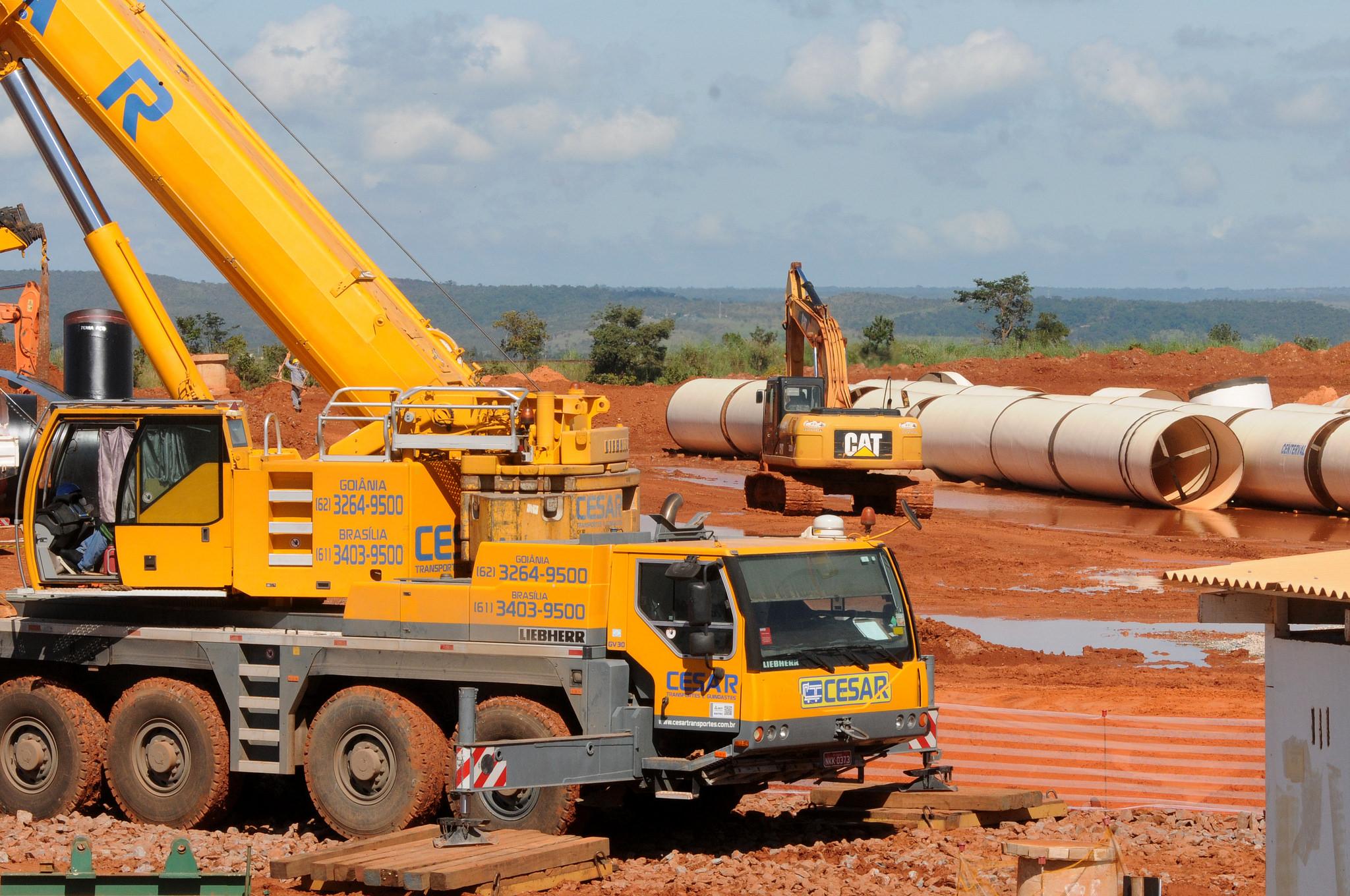 Governo - obras públicas - saneamento básico infraestutura águas esgotos construção