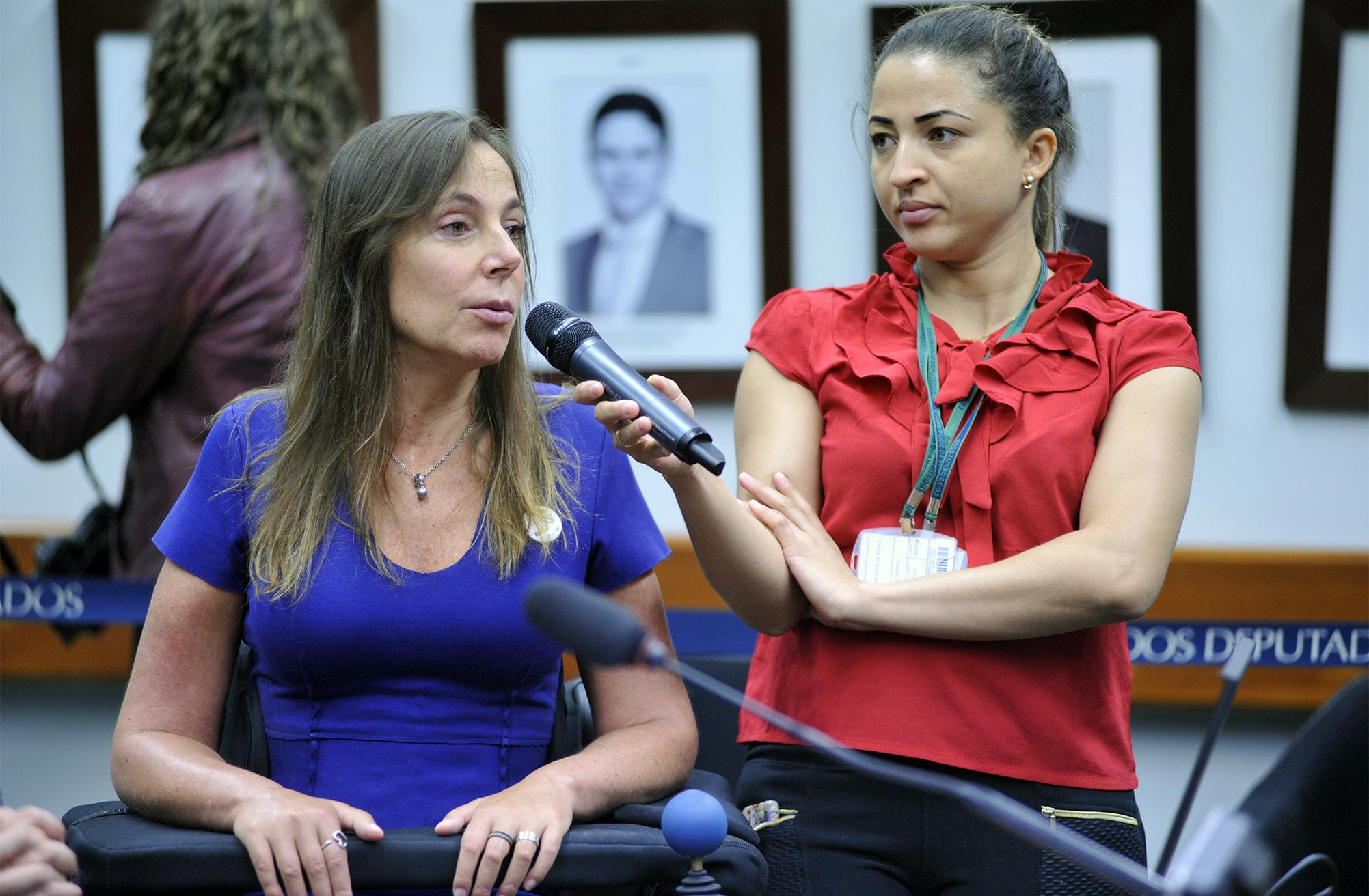 Audiência pública sobre a oferta de veículo adaptado para o treinamento de pessoas com deficiência, pelos Centros de Formação de Condutores. Dep. Mara Gabrilli (PSDB - SP)