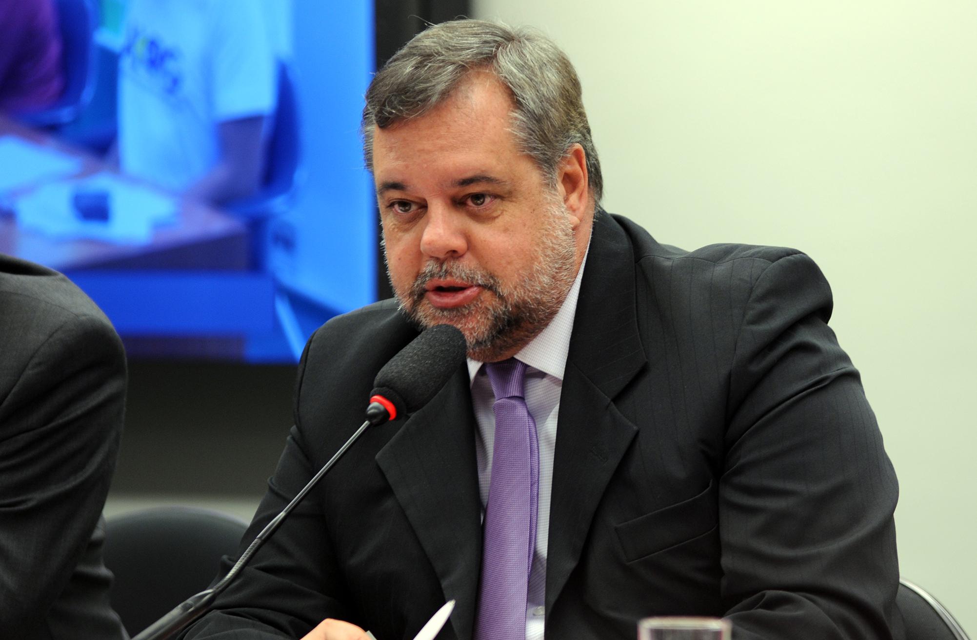 Audiência pública sobre o PL 4559/16, que dispõe sobre o Reajuste Anual das Bolsas concedidas pelos órgãos federais de apoio e fomento à pós-graduação e pesquisa. Dep. Lobbe Neto (PSDB-SP)