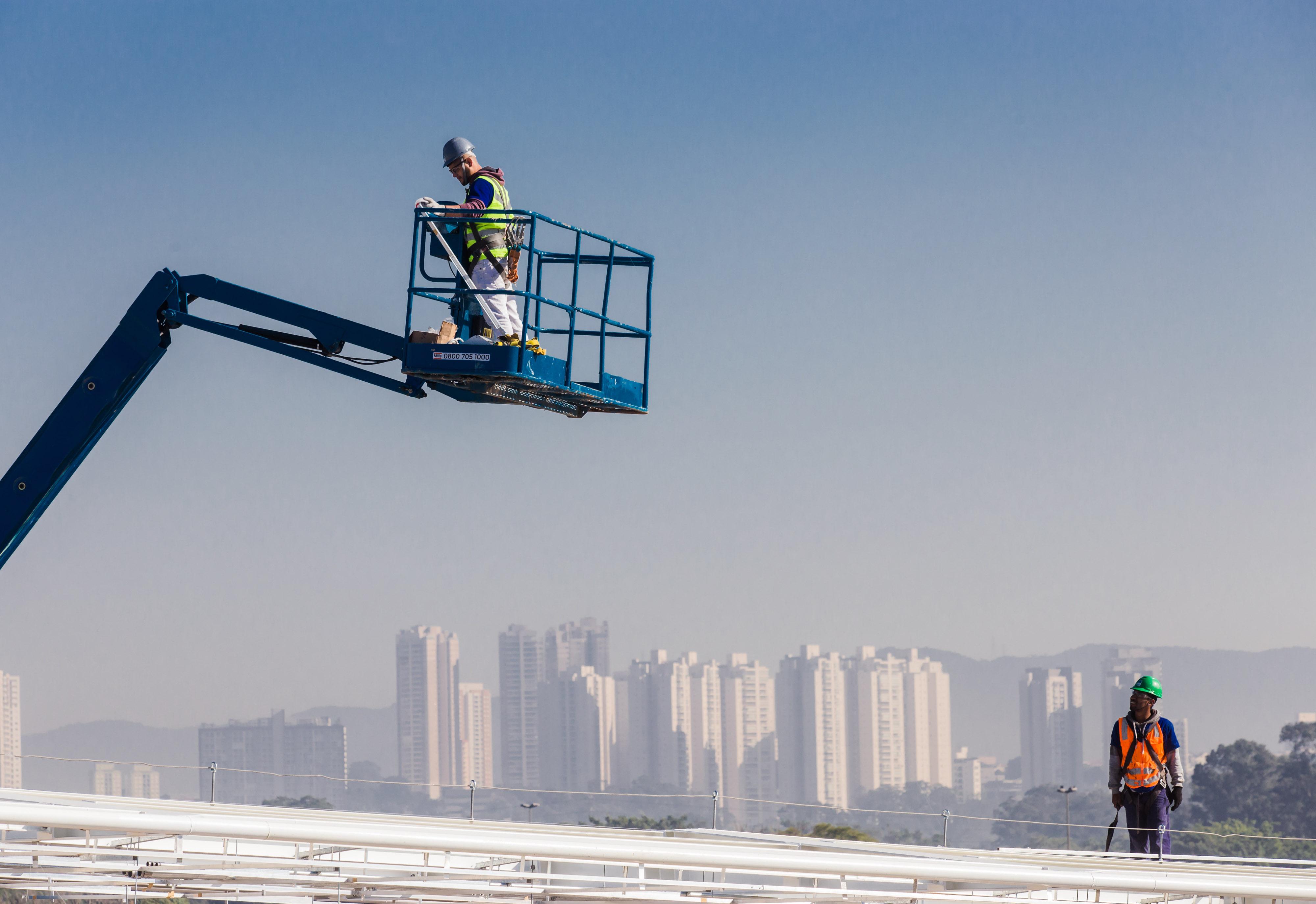 Trabalho - geral - obras guindastes segurança no trabalho construção civil engenharia