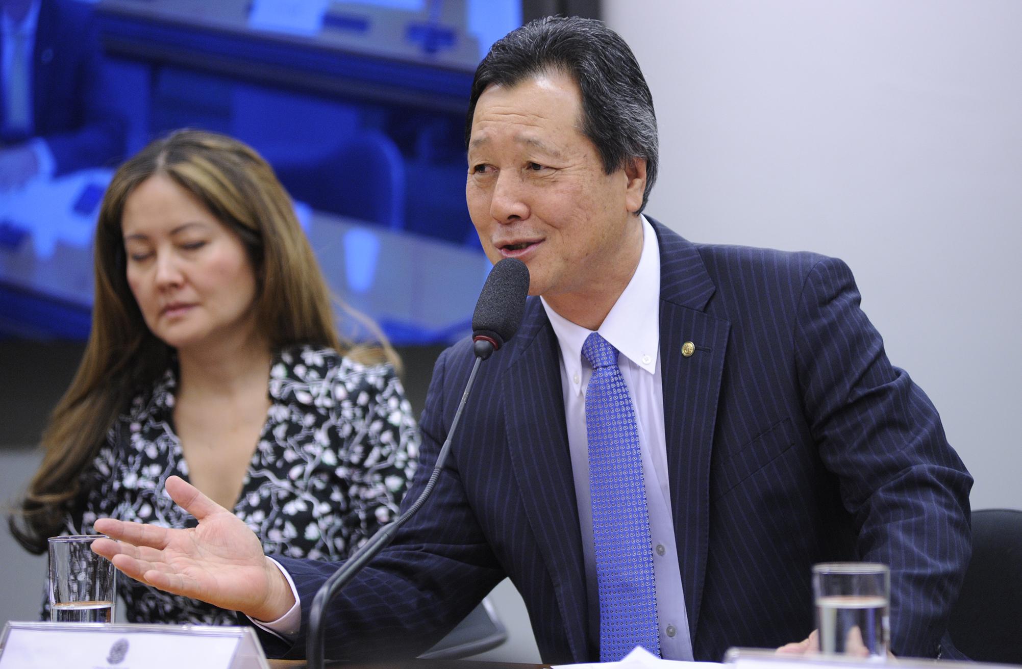 Audiência pública das comissões de Relações Exteriores e de Defesa Nacional (CREDN) e de Desenvolvimento Econômico, Indústria, Comércio e Serviços (CDEICS) para comemoração dos 109 anos de imigração japonesa e discussão sobre assuntos de interesse das duas Nações. Dep. Luiz Nishimori (PR-PR)