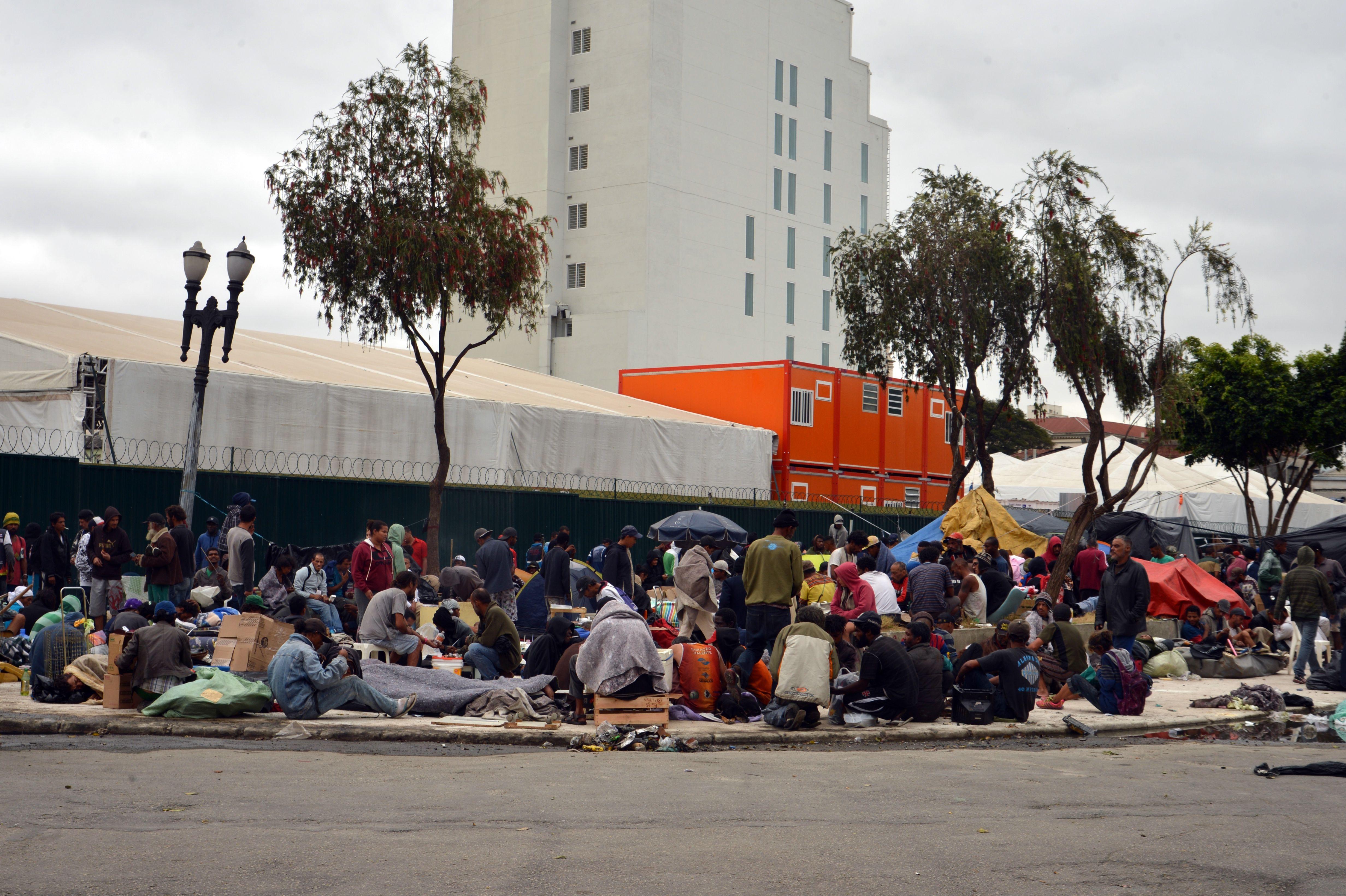 Segurança - drogas - cracolância viciados entorpecentes dependentes químicos São Paulo assistência social população de rua