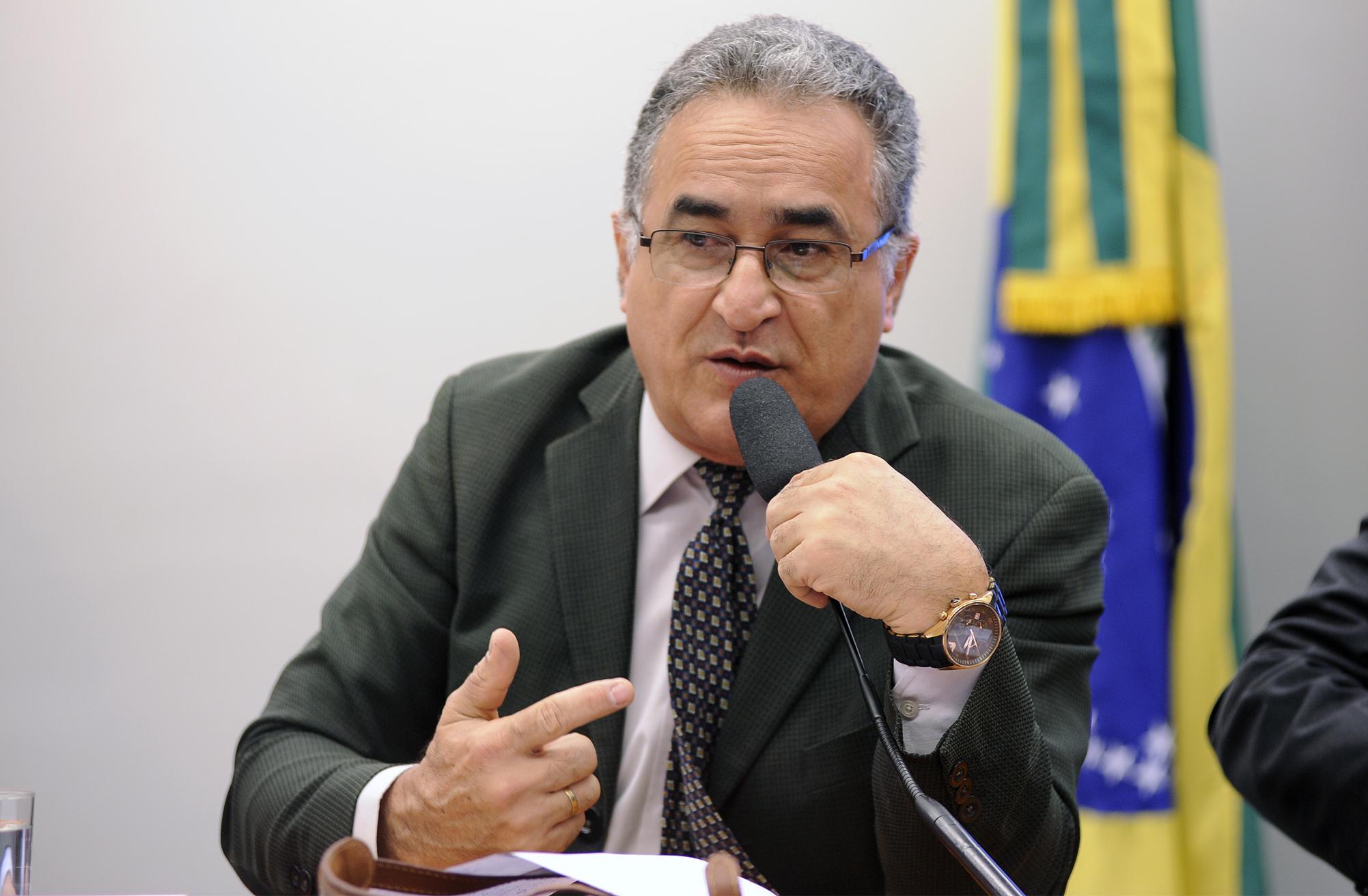Audiência pública sobre o cenário atual das políticas públicas de educação no campo e suas perspectivas. Dep. Edmilson Rodrigues (PSOL - PA)