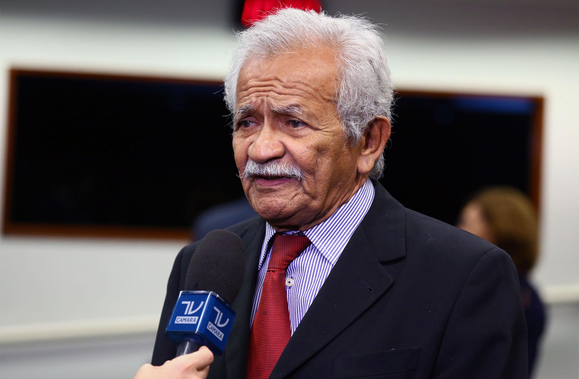 Dep. Chico Lopes (PCdoB - CE) concede entrevista