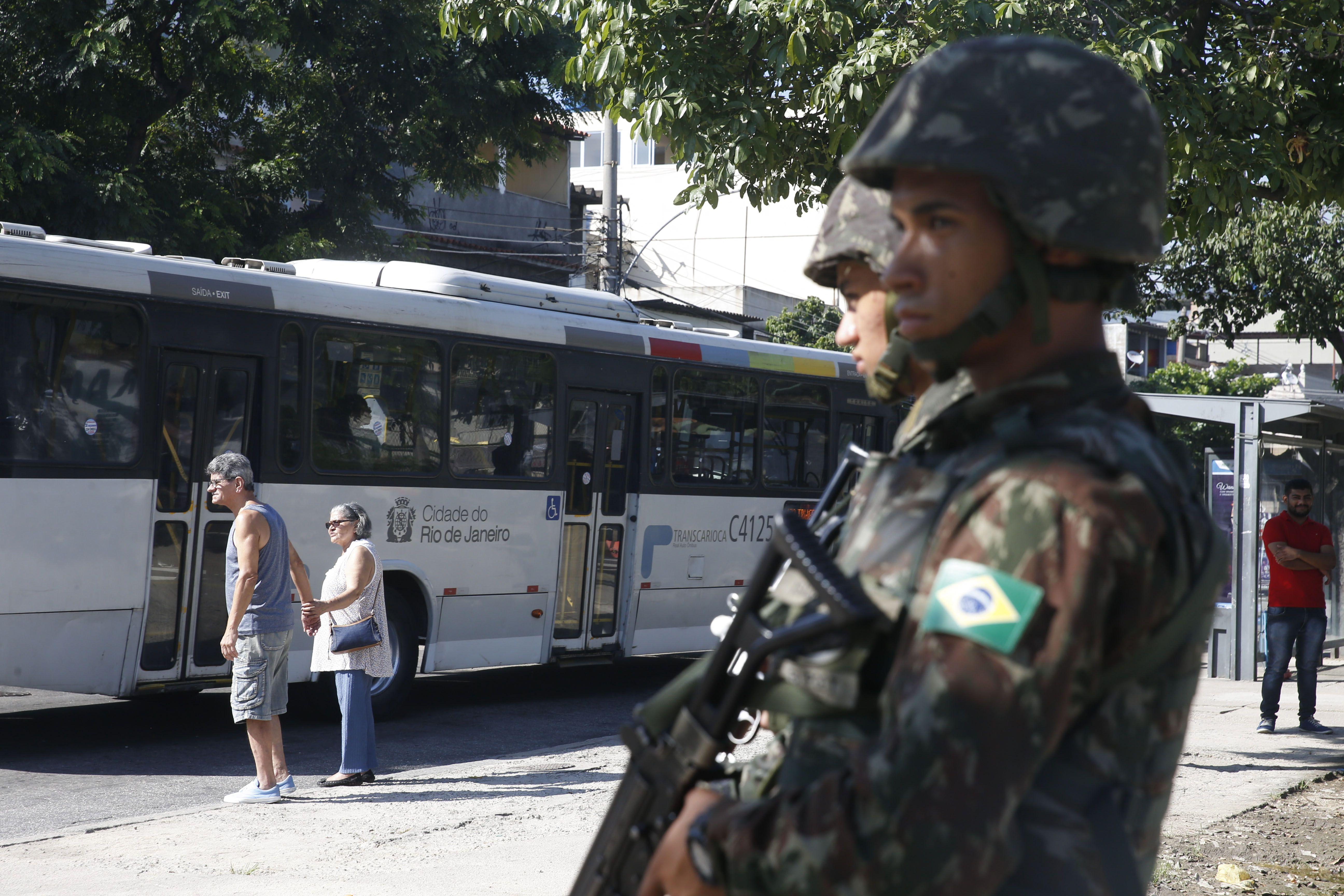 Segurança - geral - Força Nacional de Segurança Exército armadas população