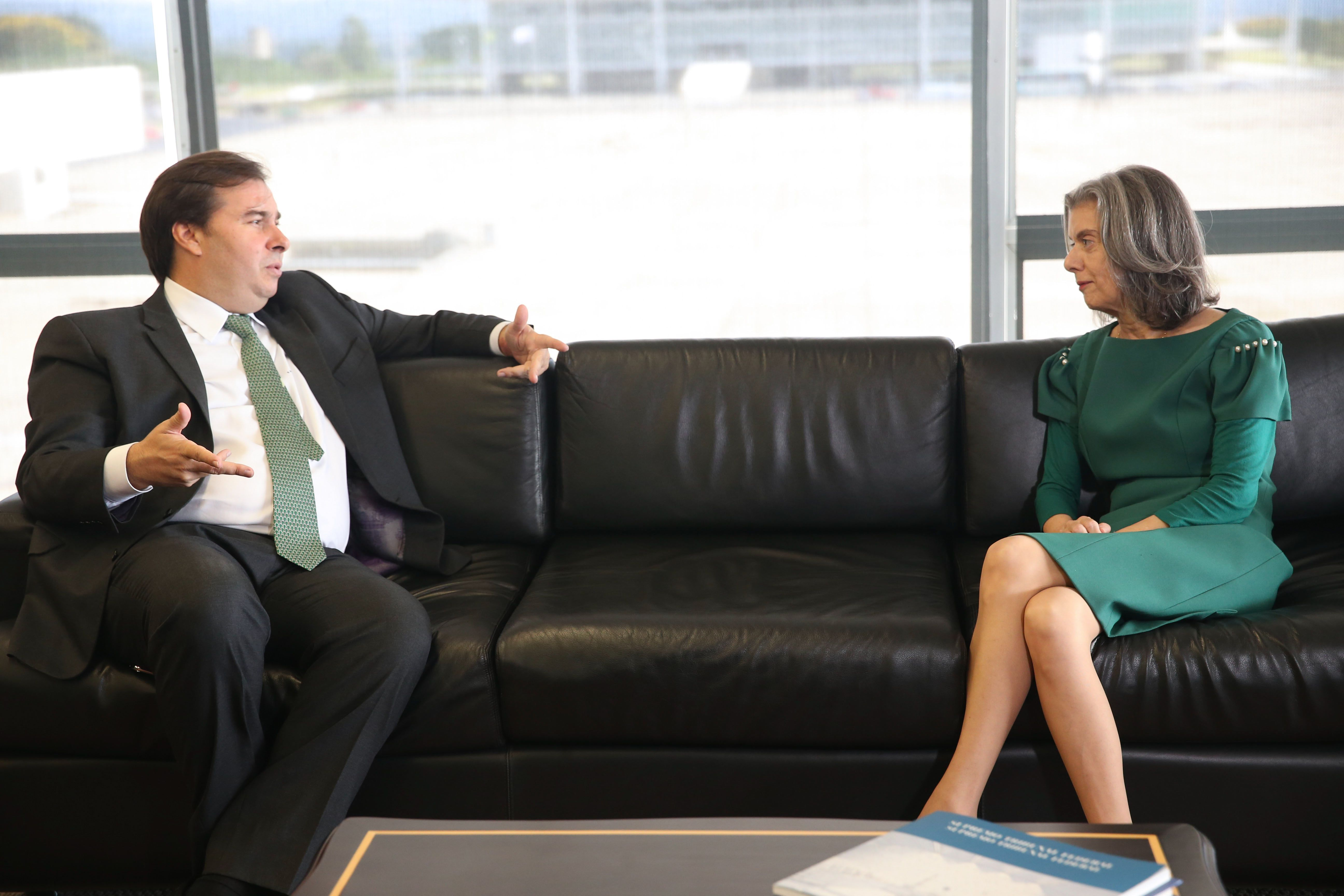 Autoridades - presidente da Câmara Rodrigo Maia e presidente do STF Carmen Lúcia