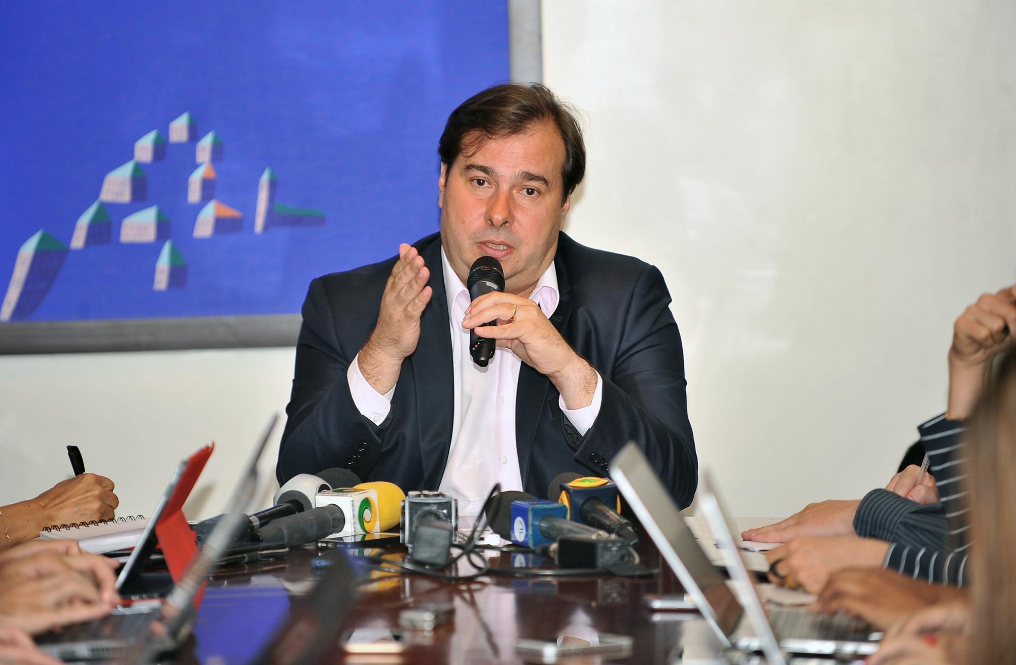 Fotos do Dia - presidente da Câmara Rodrigo Maia entrevista