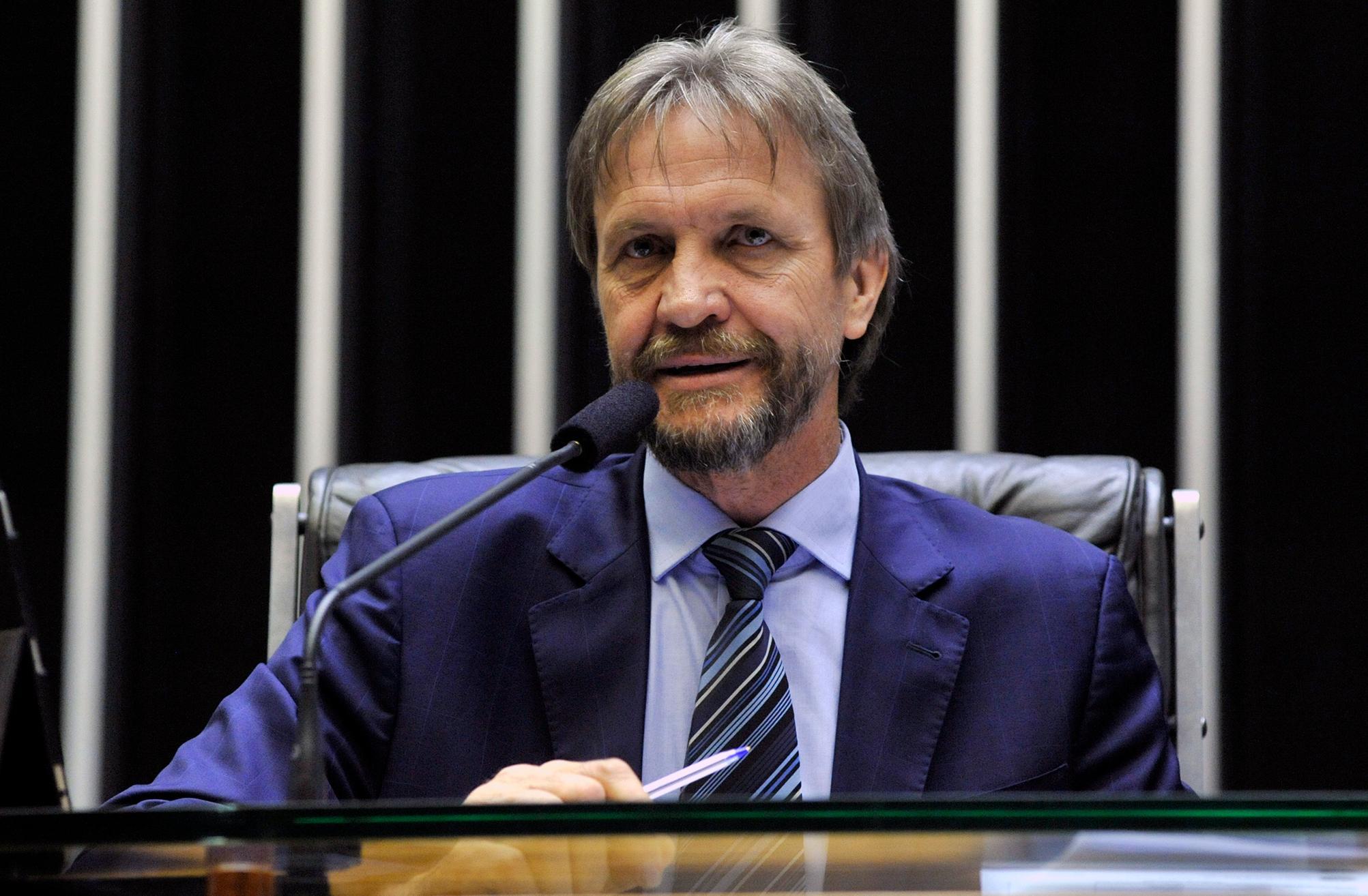 Ordem do dia para discussão e votação de diversos projetos. Dep. Pedro Uczai (PT - SC)