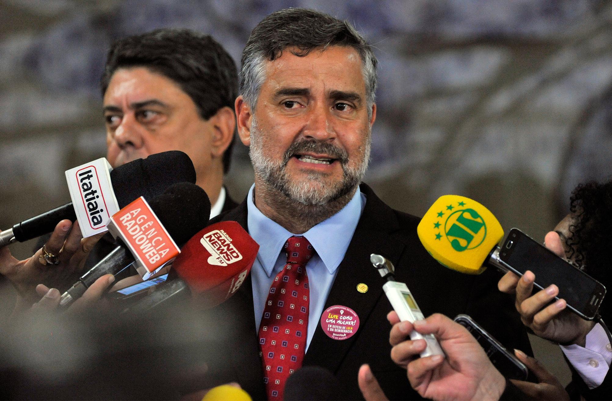 Dep. Paulo Pimenta (PT-RS) concede entrevista