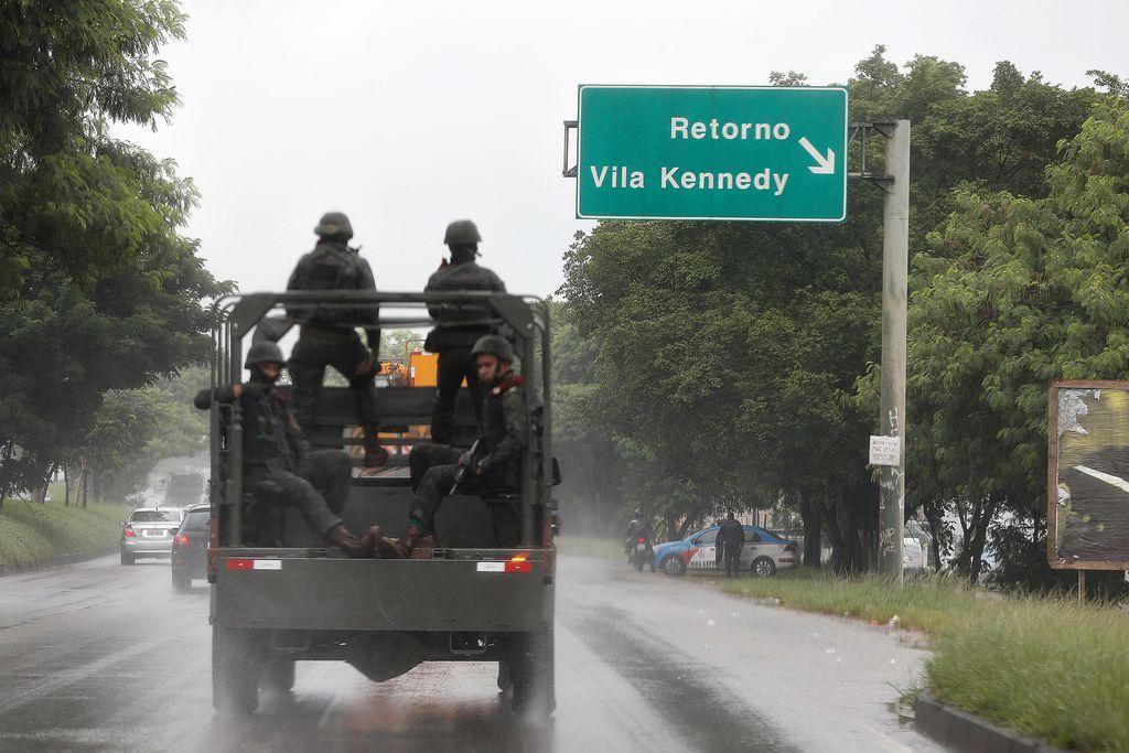 Segurança - geral - favelas intervenção federal Rio de Janeiro Exército polícias