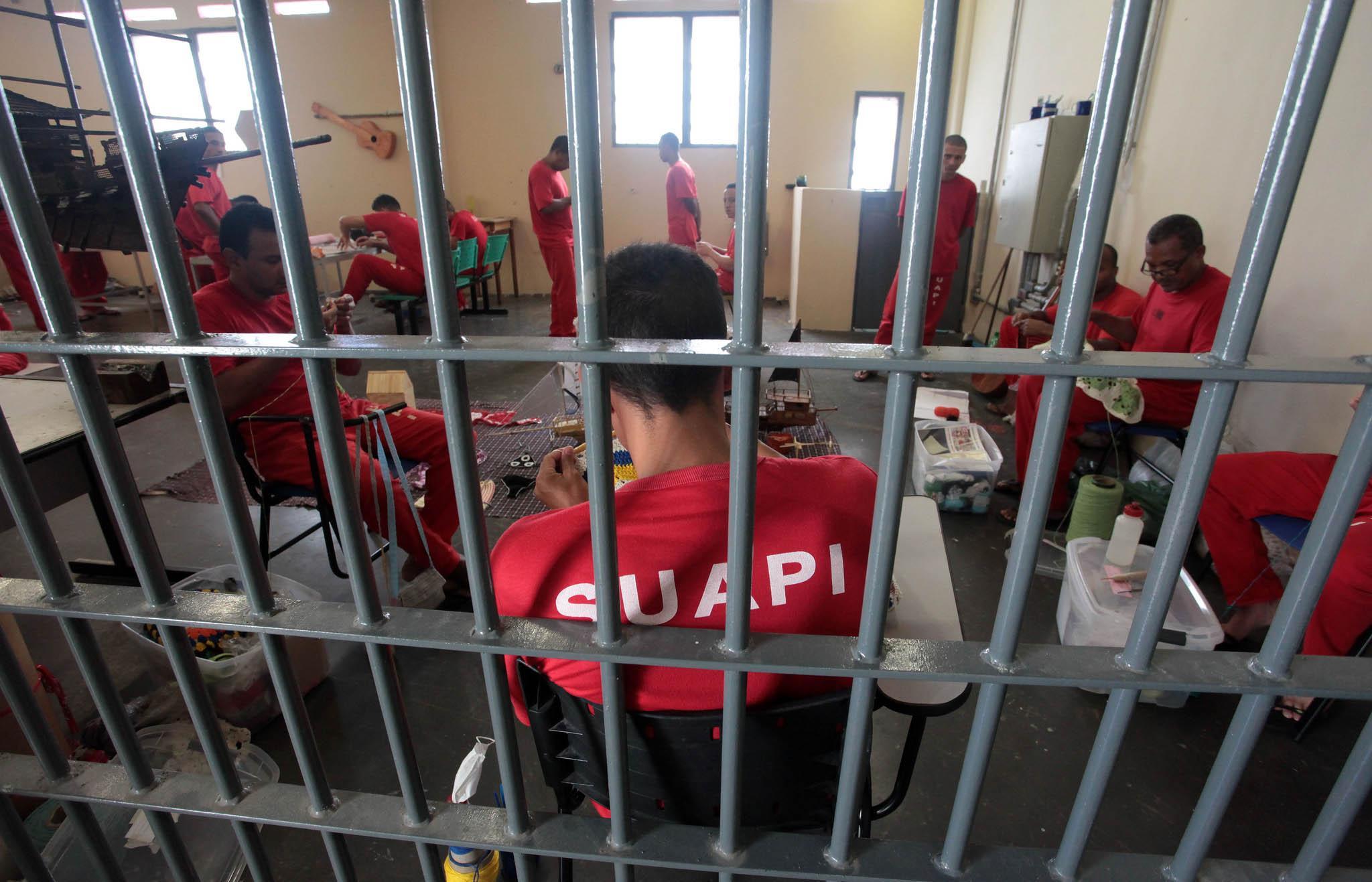 Segurança - presídio - penitenciárias presos prisões