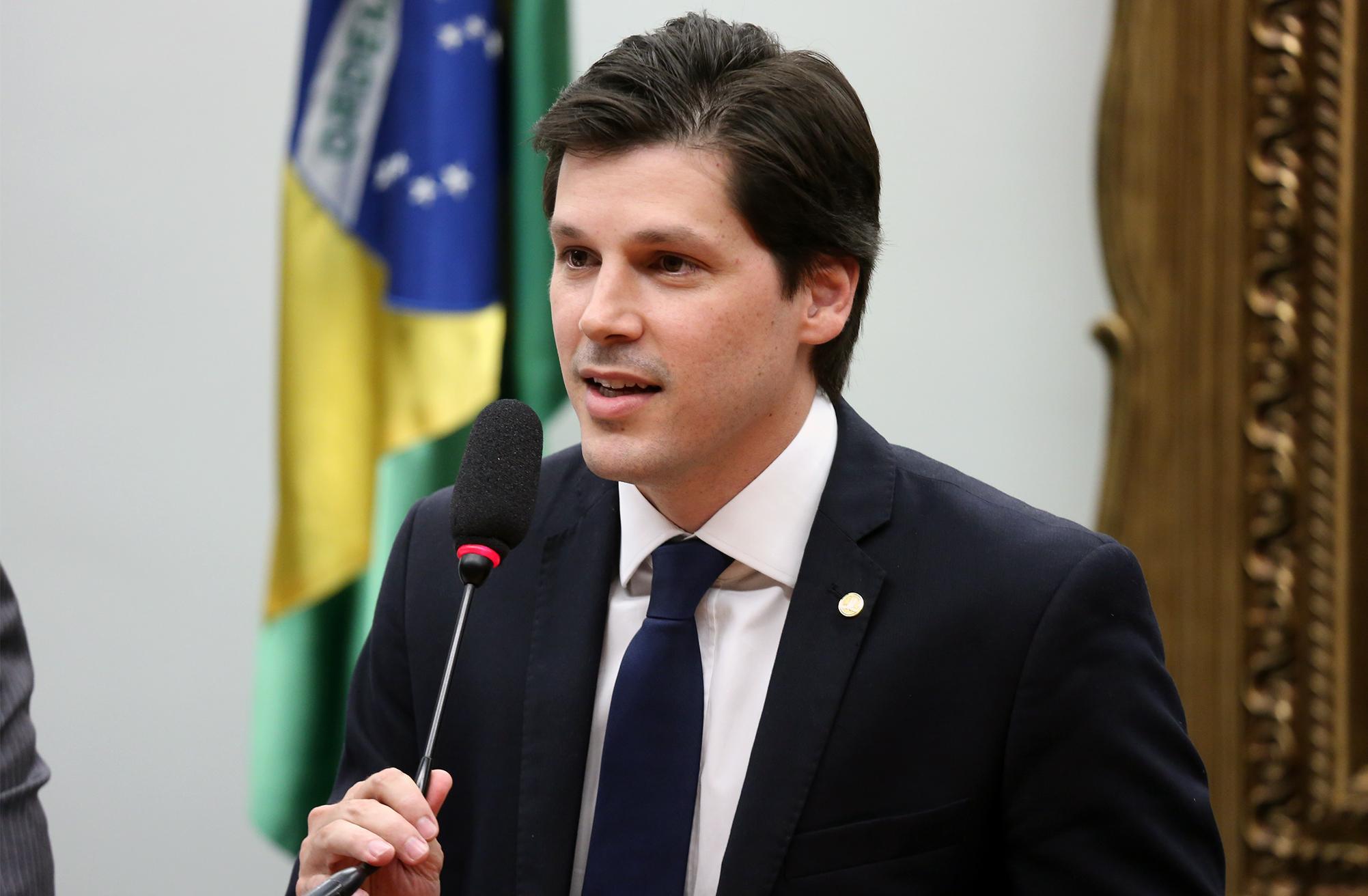 Instalação dos trabalhos e eleição dos Presidentes e Vice-Presidentes. Presidente eleito dep. Daniel Vilela (PMDB - GO)