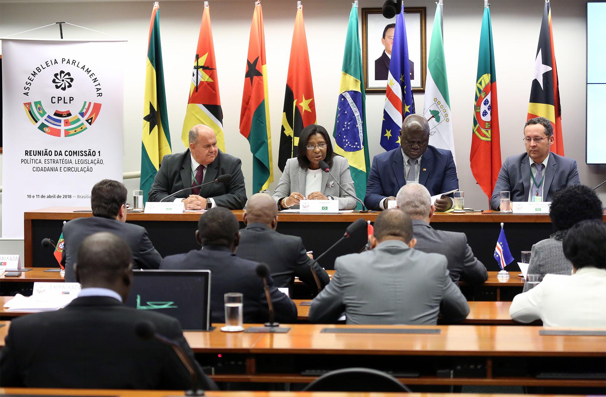 Parlamentares dos pa ses de l ngua portuguesa aprovam for Bancoexterior internet e24
