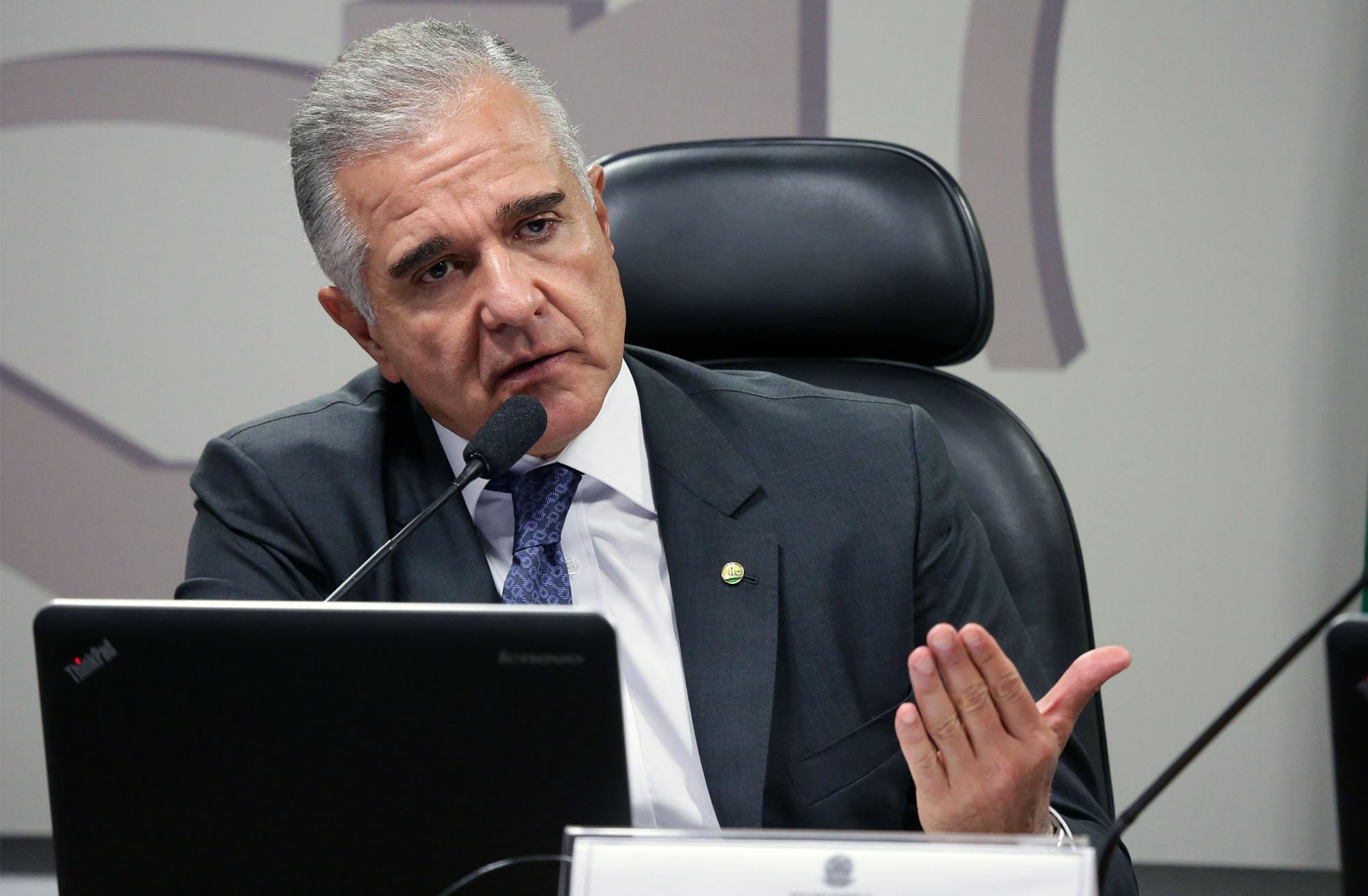 Reunião sobre a MP 811/17, que autoriza empresa pública a vender diretamente petróleo do pré-sal da União. Dep. Julio Lopes (PP - RJ)
