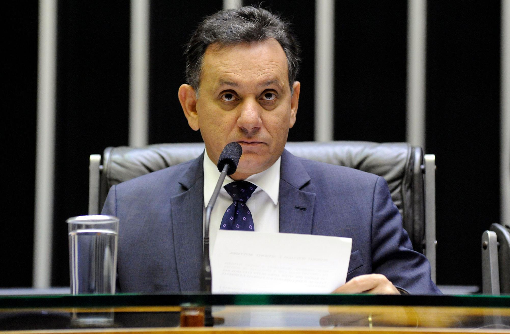 Debate sobre as razões dos níveis ainda muito elevados das taxas de juros cobradas das famílias e empresas no Brasil. Dep. Nilson Leitão (PSDB - MT)