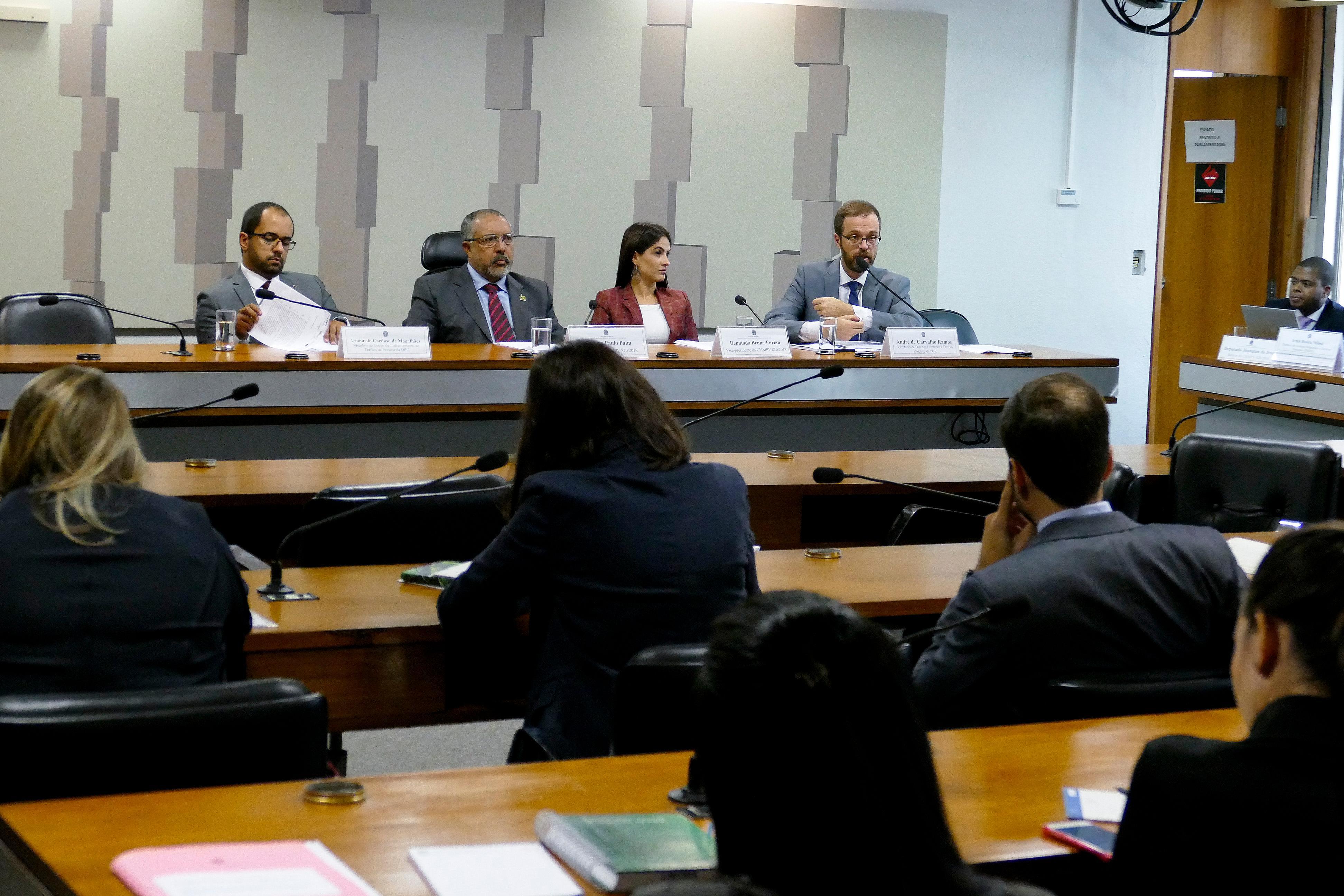 Entidades da sociedade civil s o contra fechamento da for Banco exterior caracas
