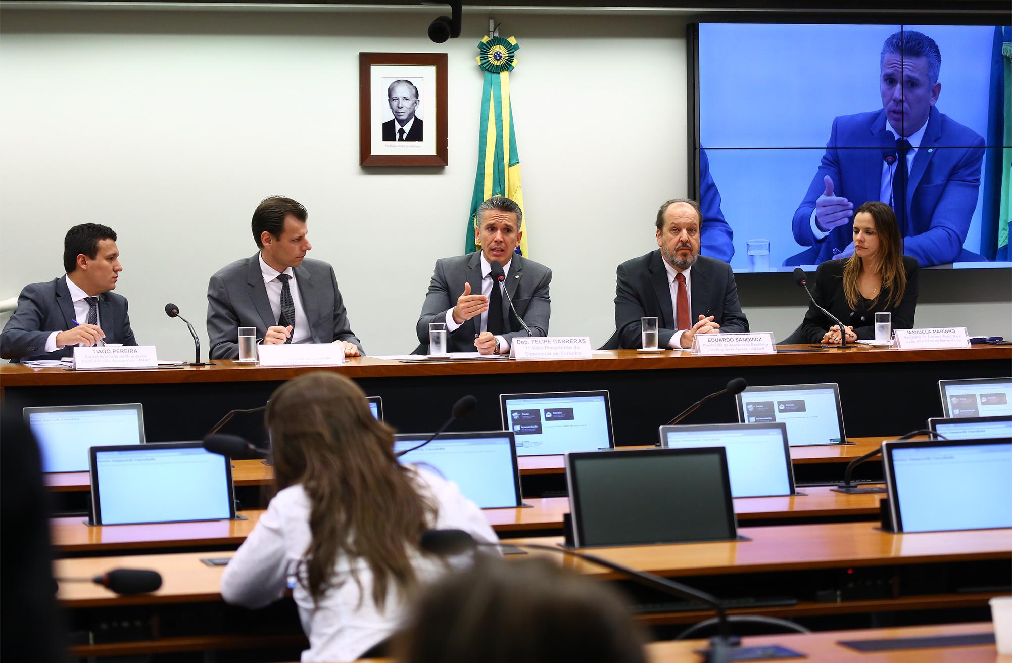 """Audiência pública sobre o """"Processo de concessão à iniciativa privada do Aeroporto Gilberto Freyre, em Recife, e do Aeroporto Zumbi dos Palmares, em Maceió"""""""