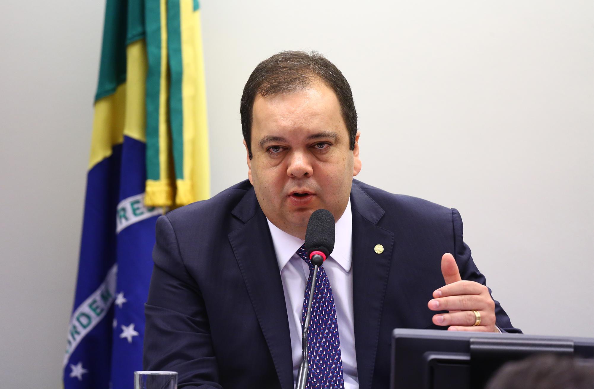 Discussão e votação de pareceres preliminares referentes a processos em desfavor dos deputados João Rodrigues (PSD/SC) e Jean Wyllys (PSOL.  Dep. Elmar Nascimento (DEM - BA)