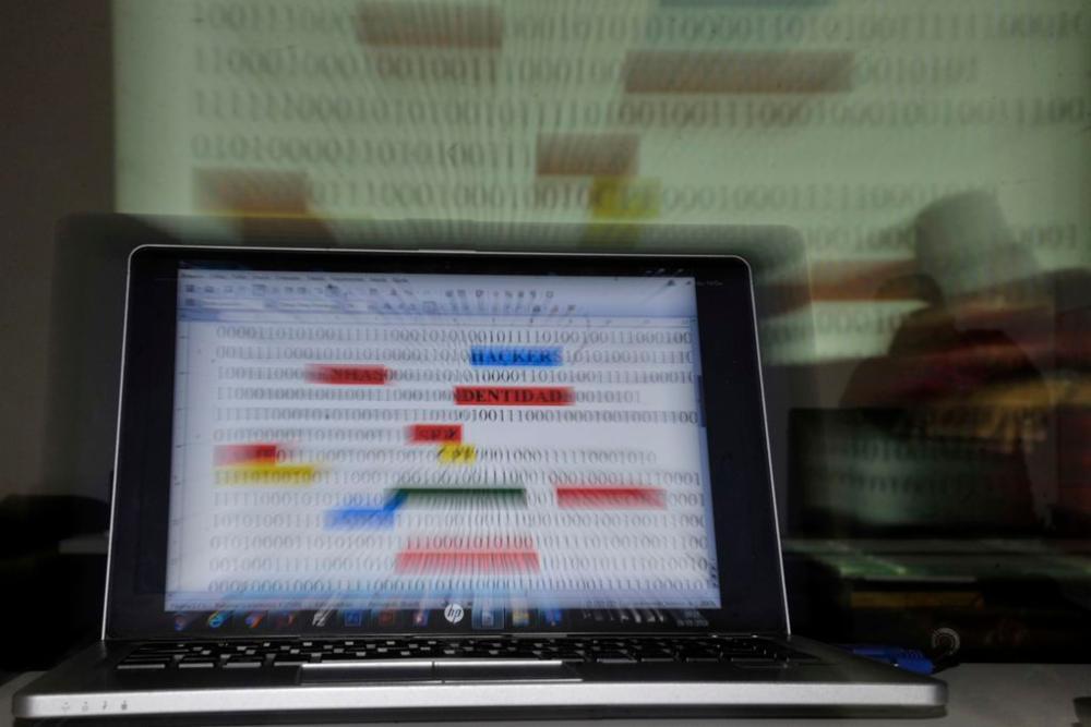 Tecnologia - geral - hackers crimes cibernéticos redes dados computadores