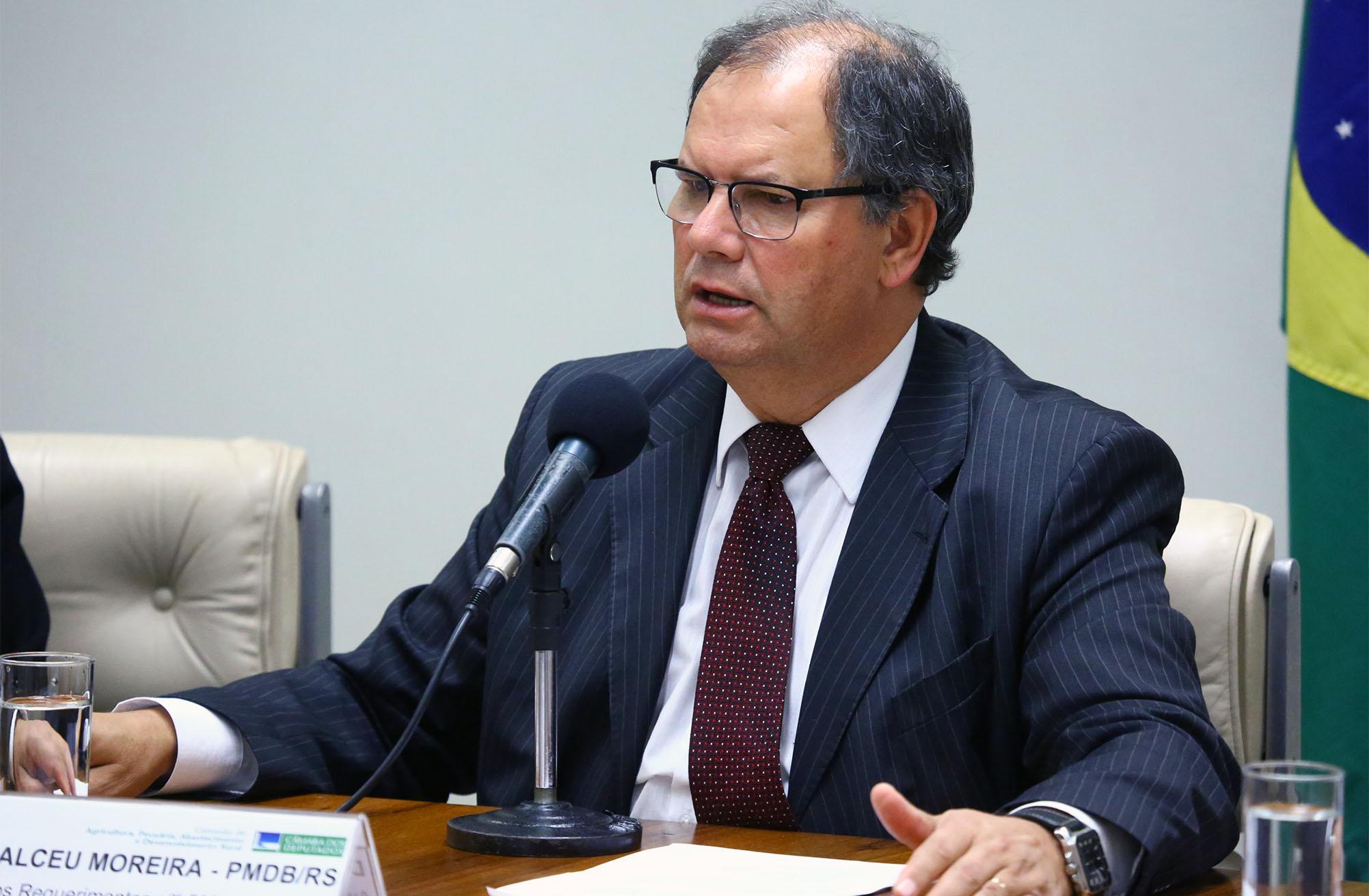 Audiência pública sobre a posição do Brasil na COP 8, bem como a situação atual da cadeia produtiva do tabaco. Dep. Alceu Moreira (MDB - RS)
