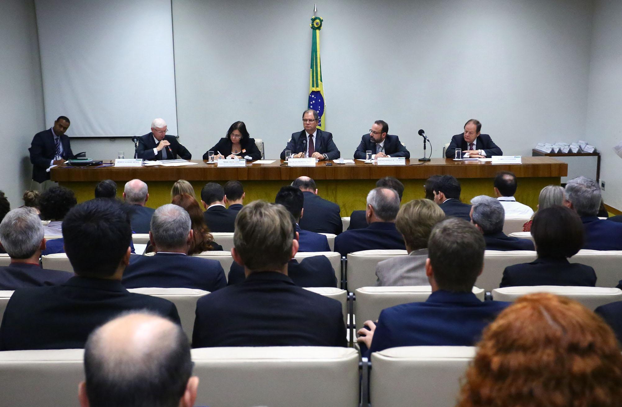 Audiência pública sobre a posição do Brasil na COP 8, bem como a situação atual da cadeia produtiva do tabaco