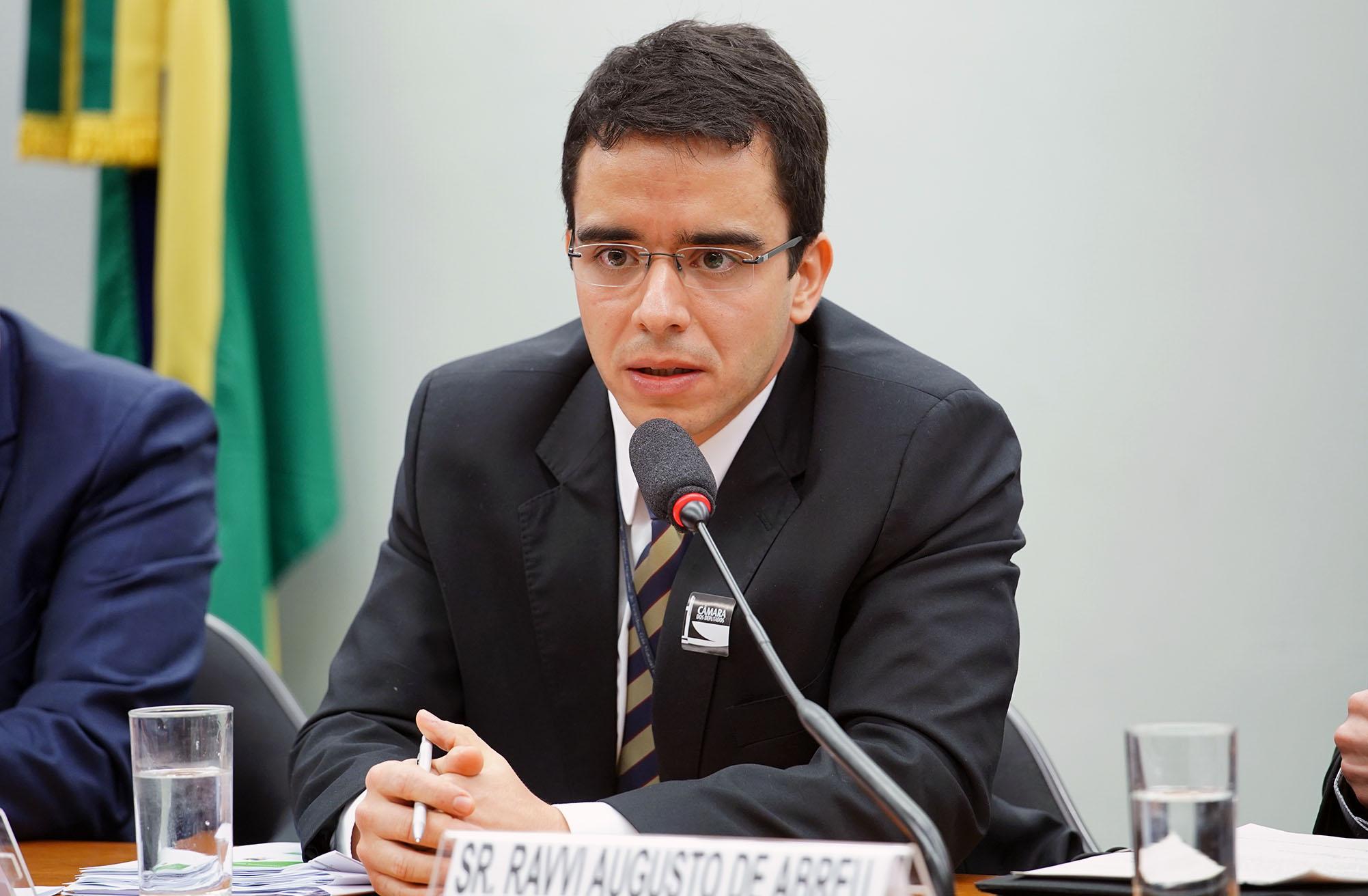 Audiência pública sobre a situação dos preços dos combustíveis no Brasil. Superintendente de Defesa da Concorrência, Estudos e Regulação Econômica (ANP), Bruno Conde Caselli