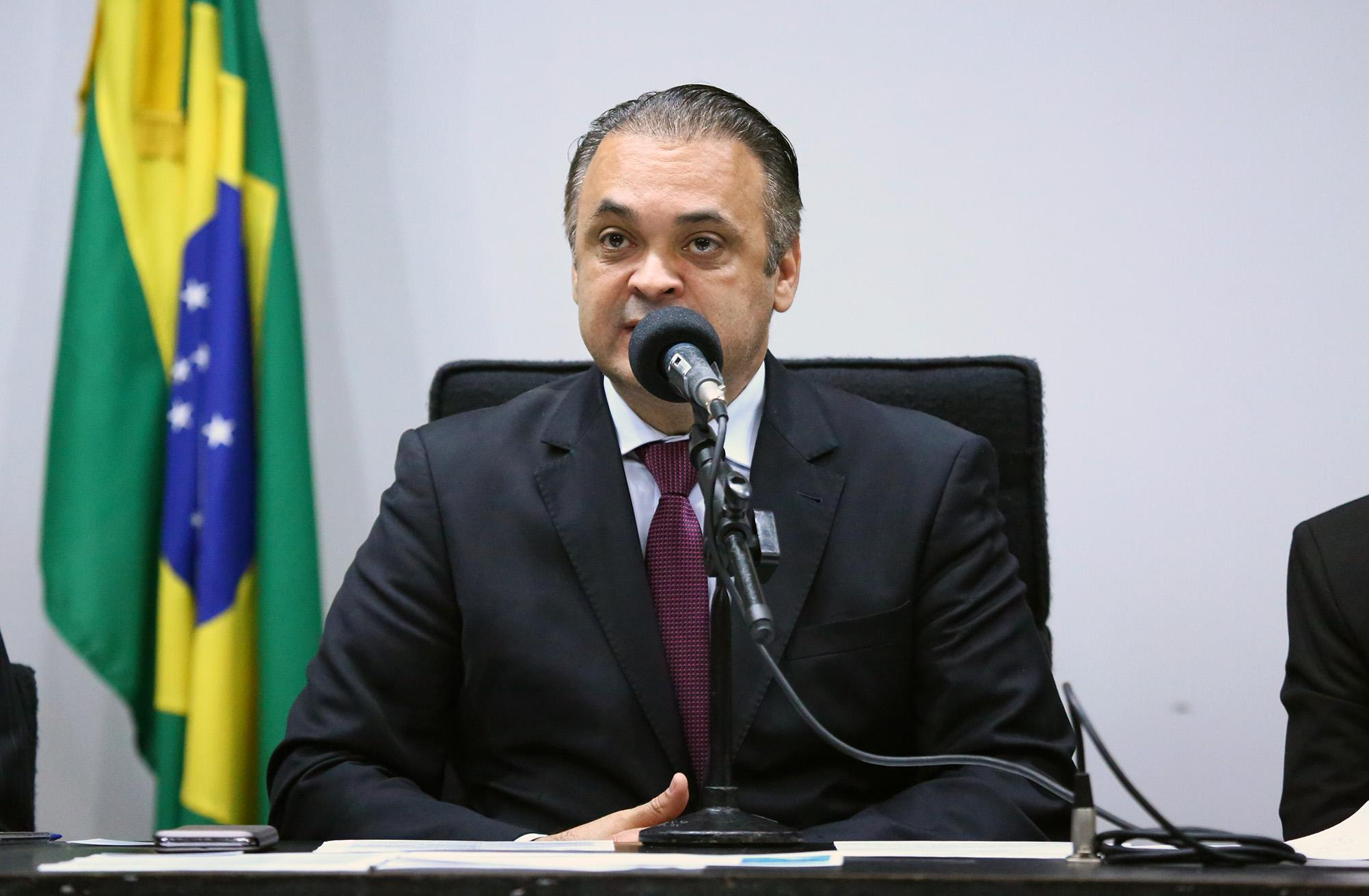 Lançamento da Frente Parlamentar Mista. Dep. Roberto de Lucena (PODE - SP)