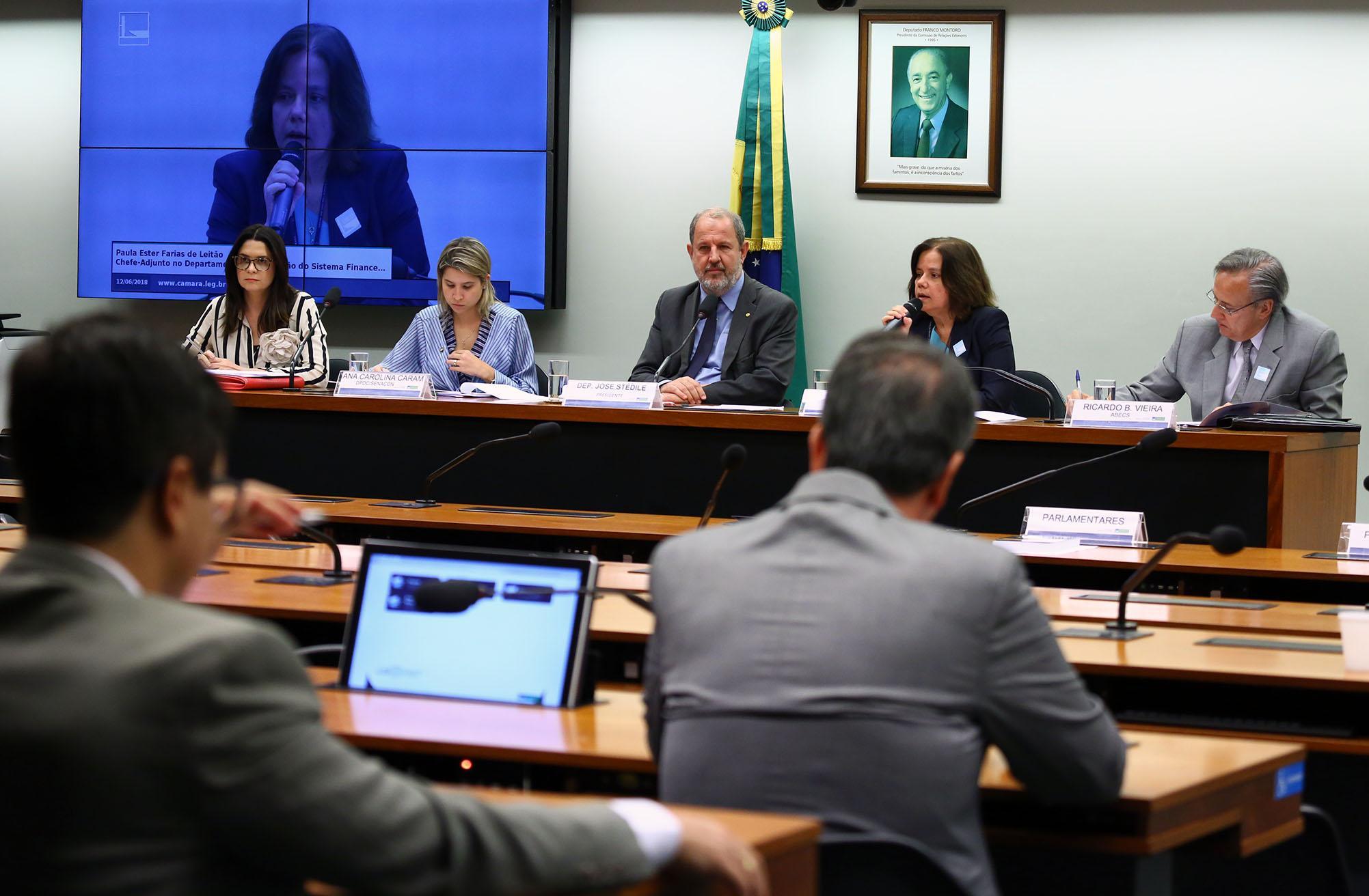 Audiência pública sobre as novas regras adotadas pelo Conselho Monetário Nacional em relação aos cartões de crédito
