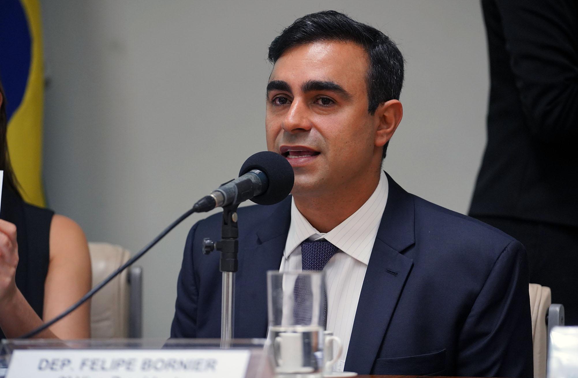 Audiência pública sobre o uso de tecnologias que permitam acompanhar e dar transparência à atuação parlamentar. Dep. Felipe Bornier (PROS - RJ)
