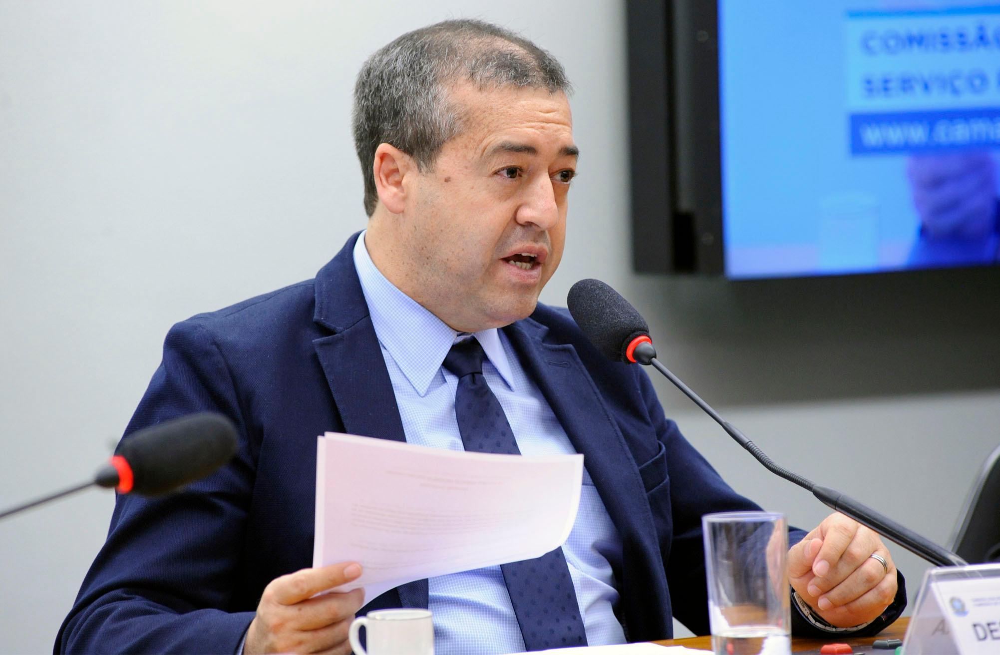 Ciclo de Debates para discutir a proposta de Consolidação das normas e leis relativas à Administração Pública Federal. Dep. Ronaldo Nogueira (PTB - RS)