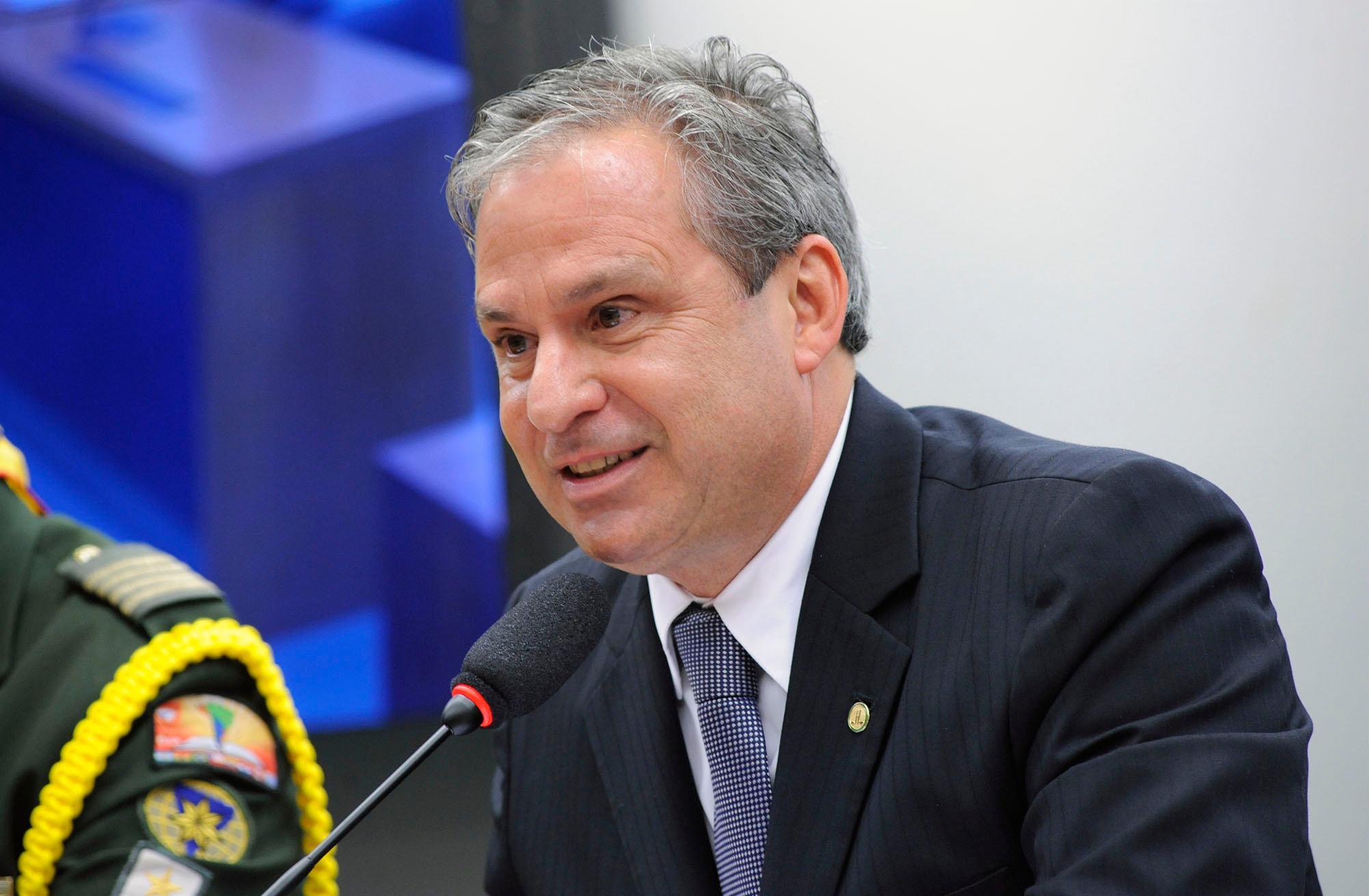 Audiência pública obre a importância da criação, por lei, a bem da sociedade brasileira, do Dia Nacional do Desbravador. Dep. Tadeu Alencar (PSB - PE)