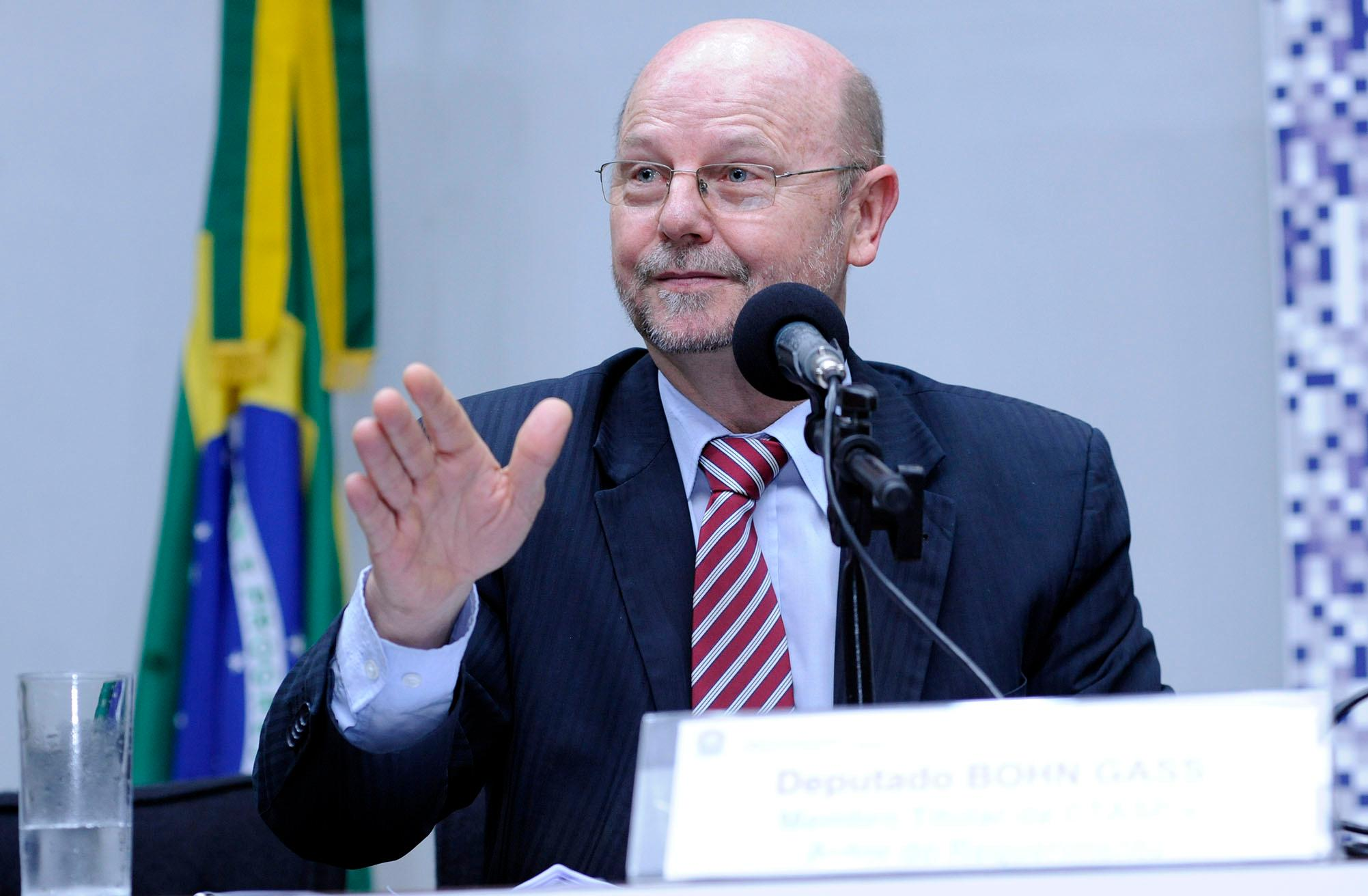 Seminário: impactos da aplicação da nova legislação trabalhista no Brasil. Dep. Bohn Gass (PT - RS)