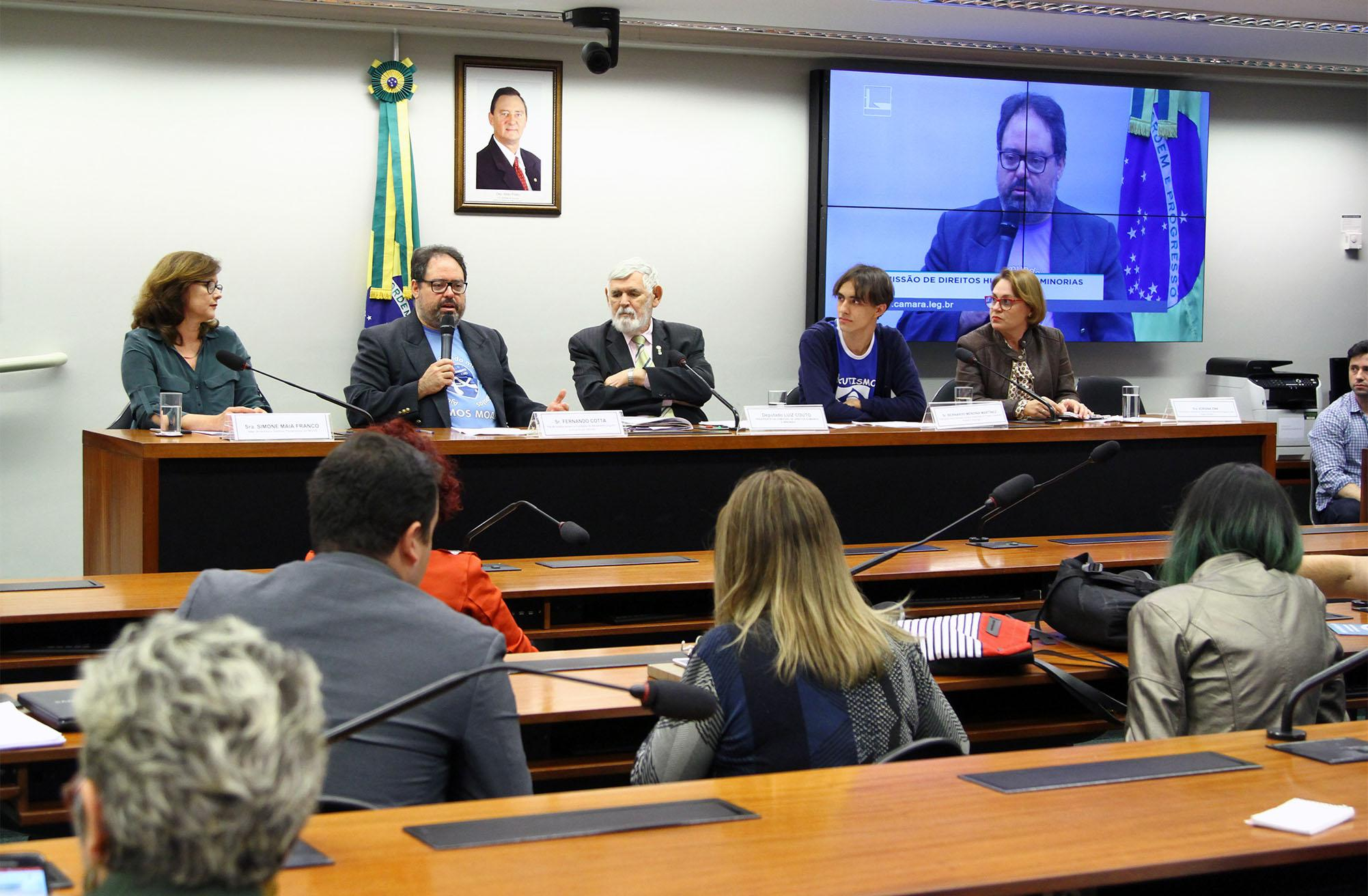 Audiência pública sobre políticas públicas para autistas no Brasil