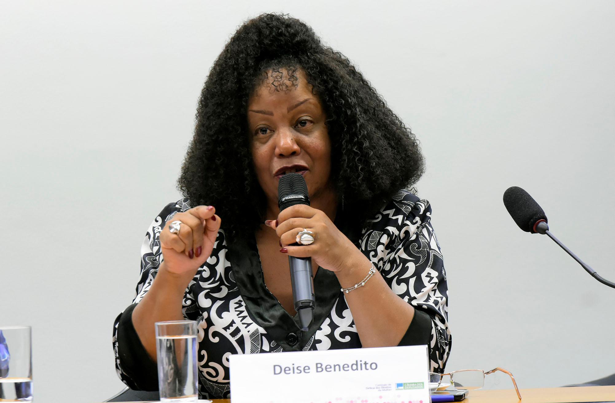 Tribuna das mulheres - Mulheres negras e prisões: Do ferro ao aço!
