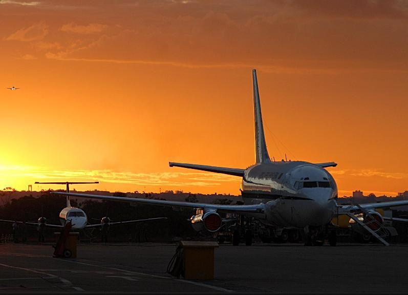 Transporte - aviação - Embraer avião aeroportos