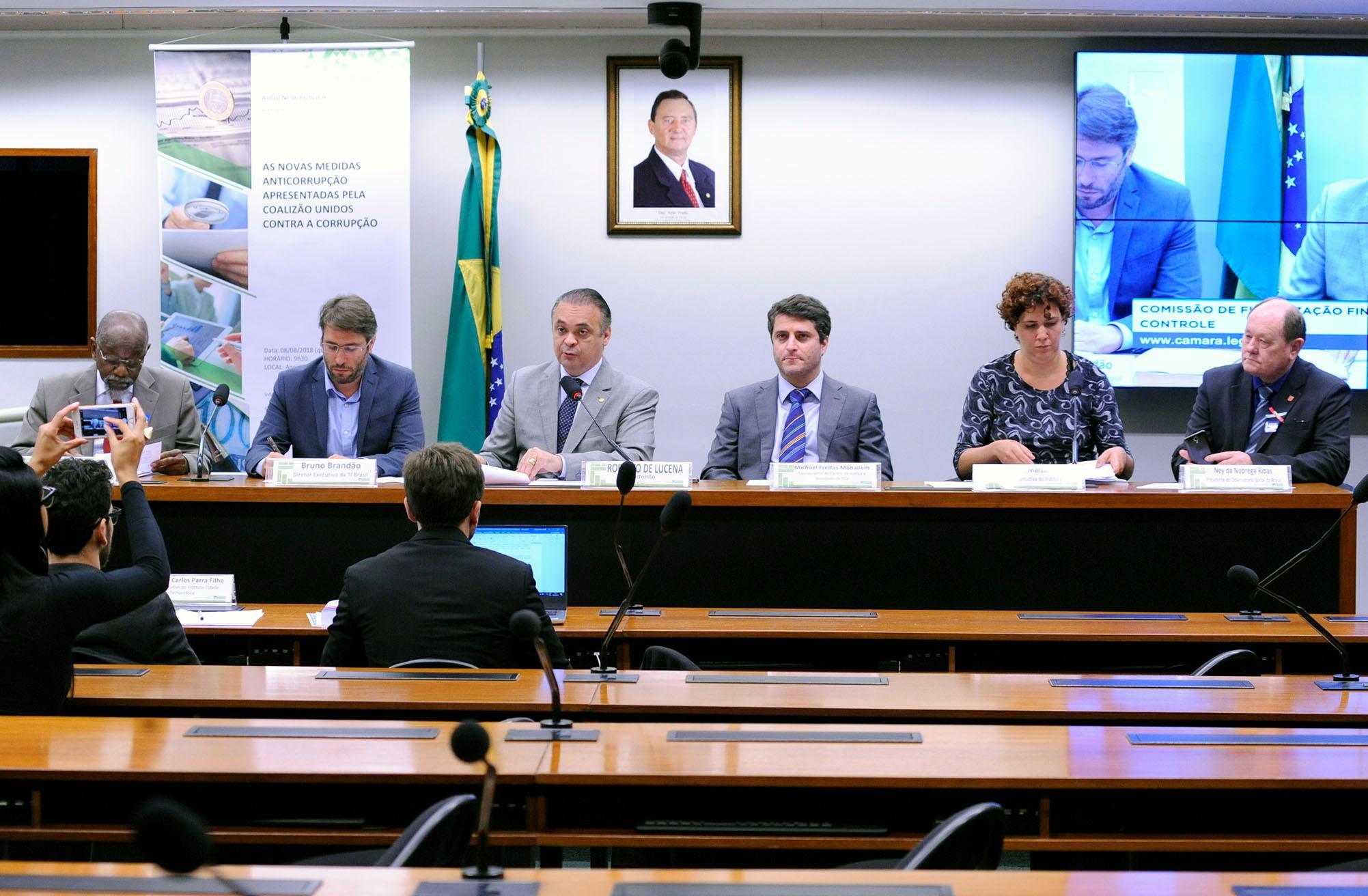 Audiência pública sobre o novo pacote de medidas anticorrupção apresentado pela Transparência Internacional Brasil