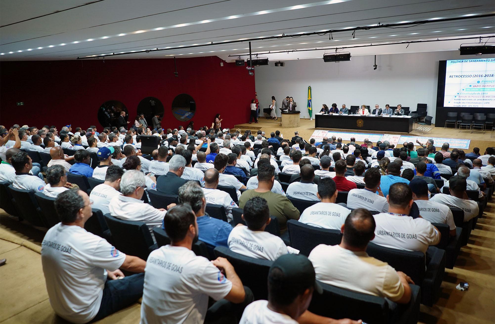 Audiência pública sobre a MP 844/18, que trata do marco legal do saneamento básico
