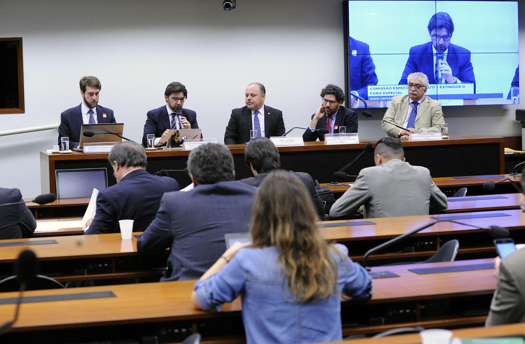 Audiência pública para debater a PEC 333/2017 e suas apensadas