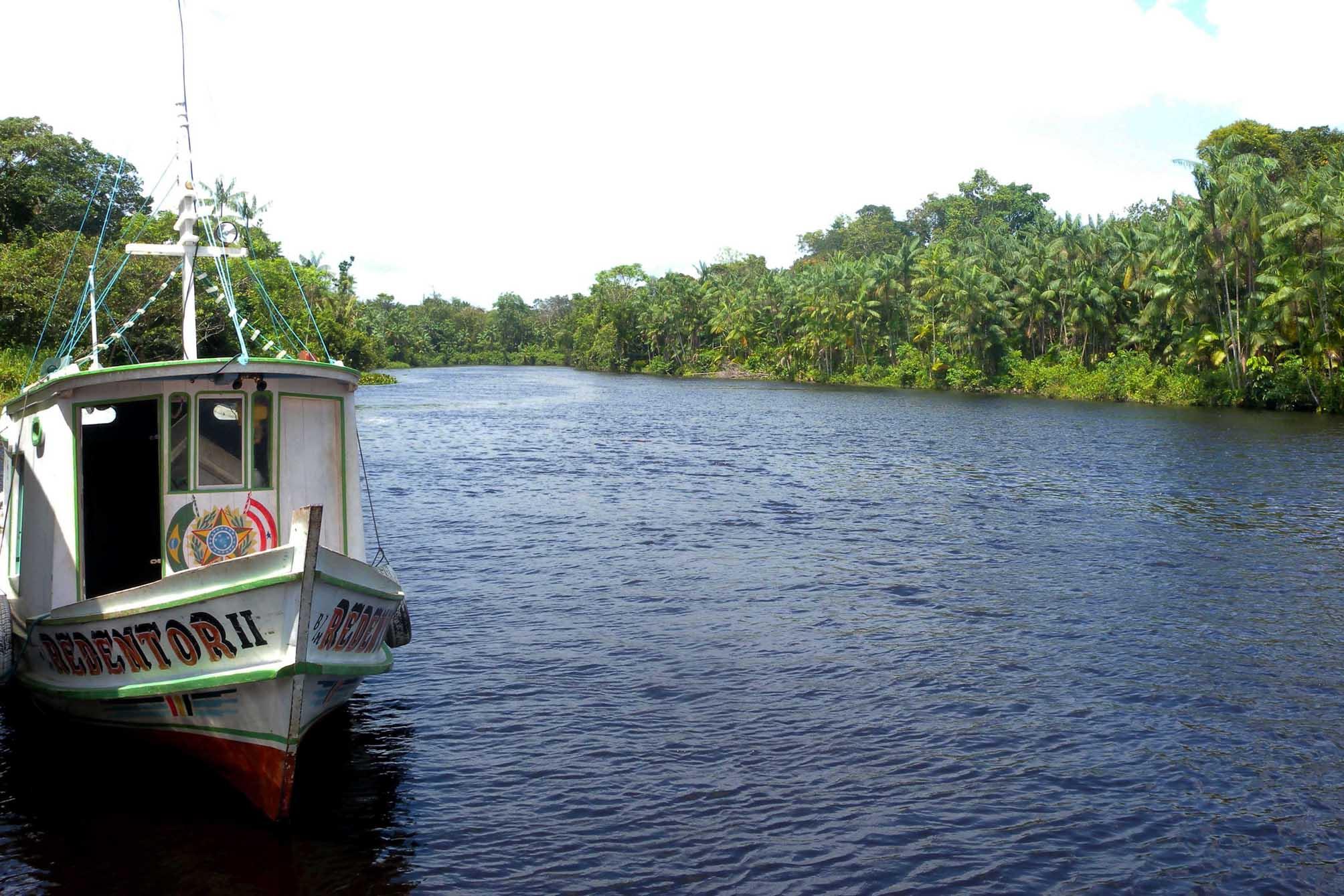 Transporte - barcos e portos - transporte fluvial Amazônia ribeirinhos