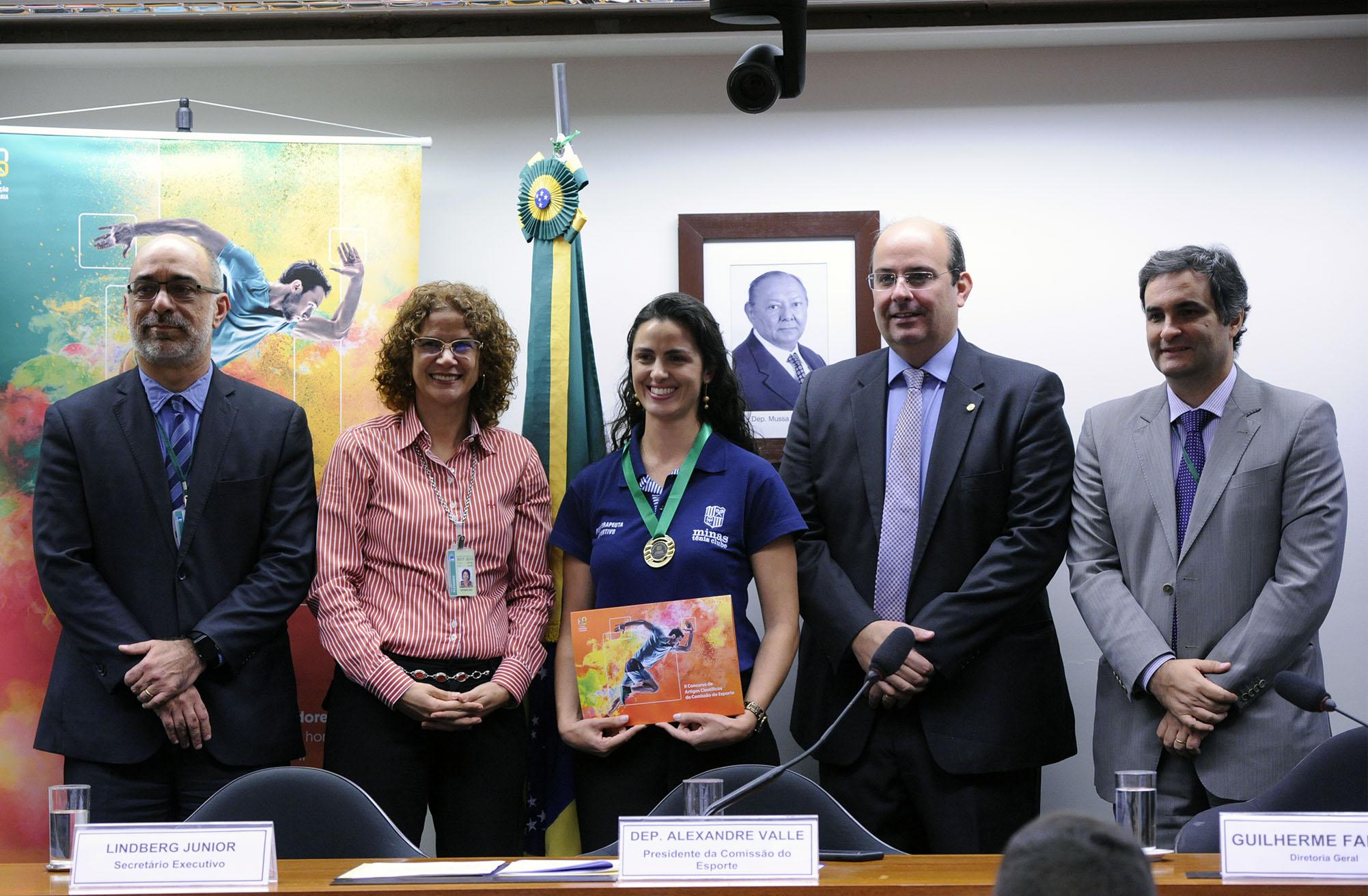 Cerimônia de Premiação do II Concurso de Artigos Científicos da Comissão do Esporte