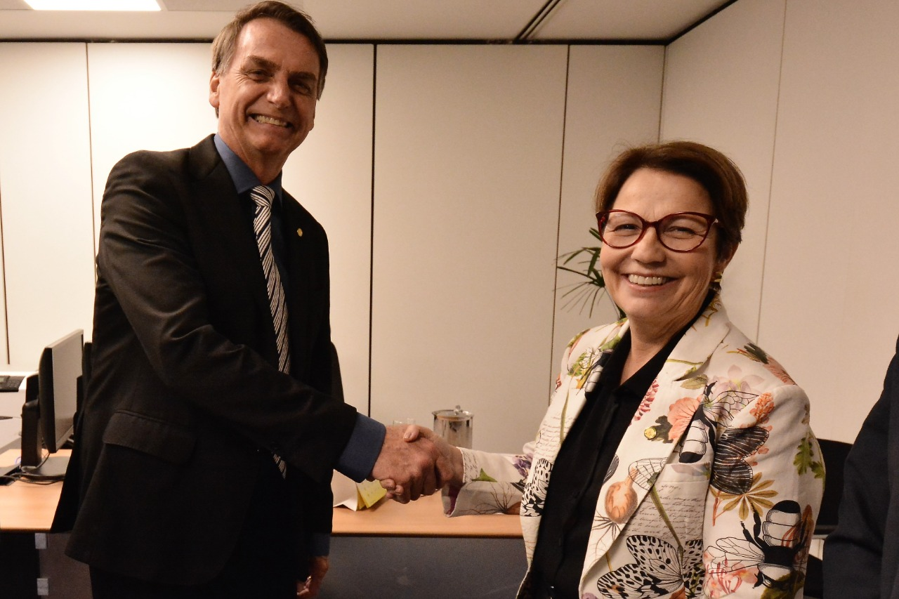 Autoridades - presidente Jair Bolsonaro e a deputada Tereza Cristina