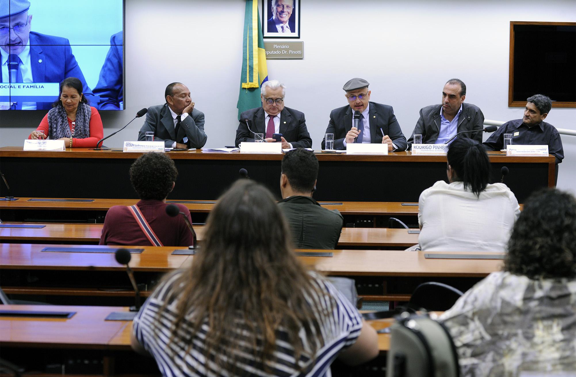 Audiência pública para debater os Impactos da Portaria n° 3.992/2017, nas Políticas de AIDS