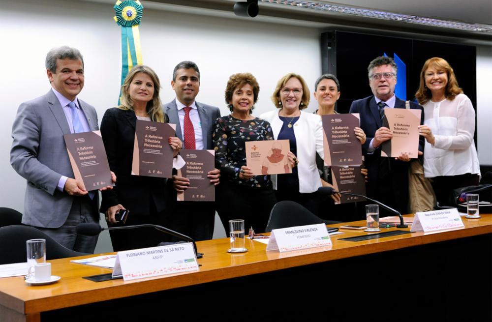 Audiência pública para ouvir as propostas apresentadas pelo manifesto
