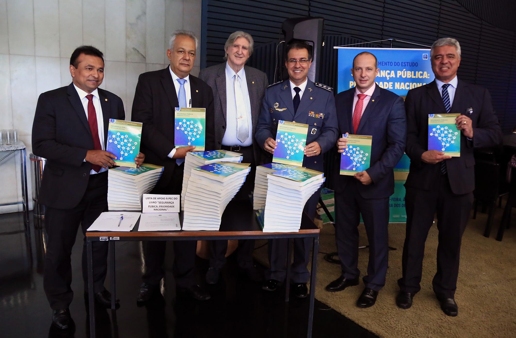 """Lançamento do Livro """"Segurança Pública – Prioridade Nacional"""""""