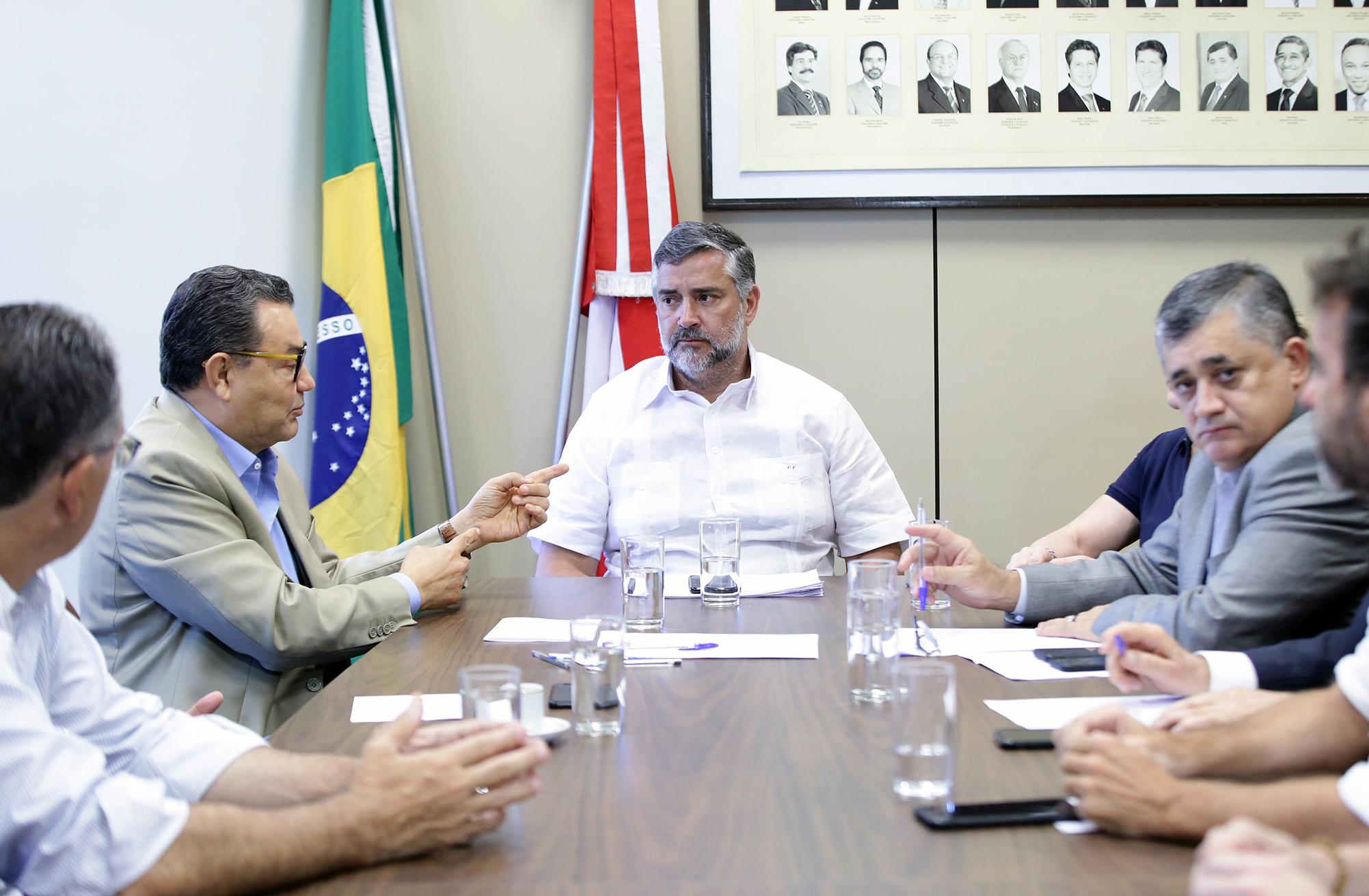 PT, Psol e PCdoB se reúnem para discutir a formação de um bloco