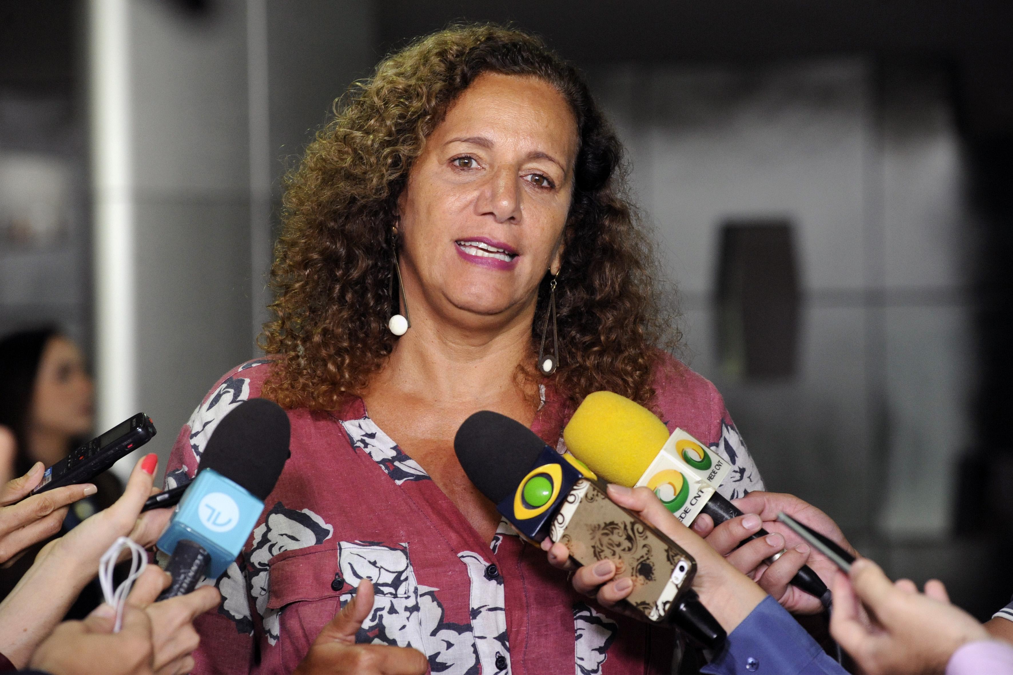 A nova líder da Minoria, dep. Jandira Feghali (PCdoB/RJ) fala sobre as recentes denúncias sobre o Governo Bolsonaro