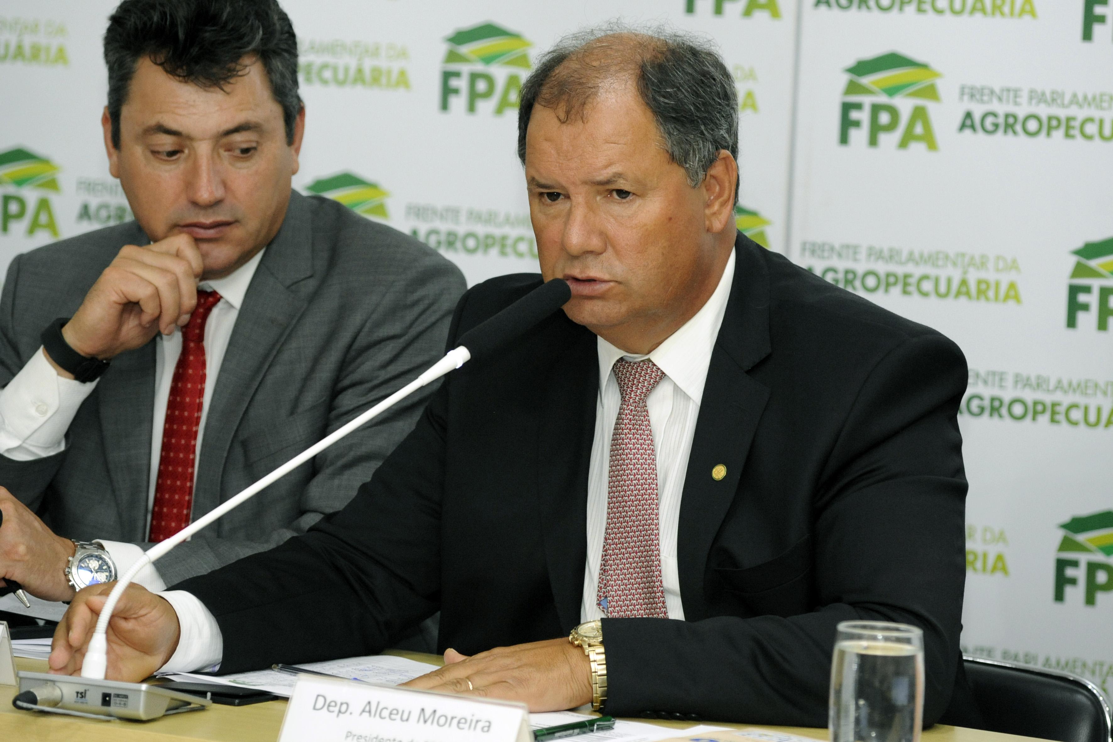 Reunião com o secretário da Previdência, Rogério Marinho, para conversa sobre a reforma da Previdência, em especial, a aposentadoria rural. Presidente da Frente Parlamentar da Agropecuária, Alceu Moreira