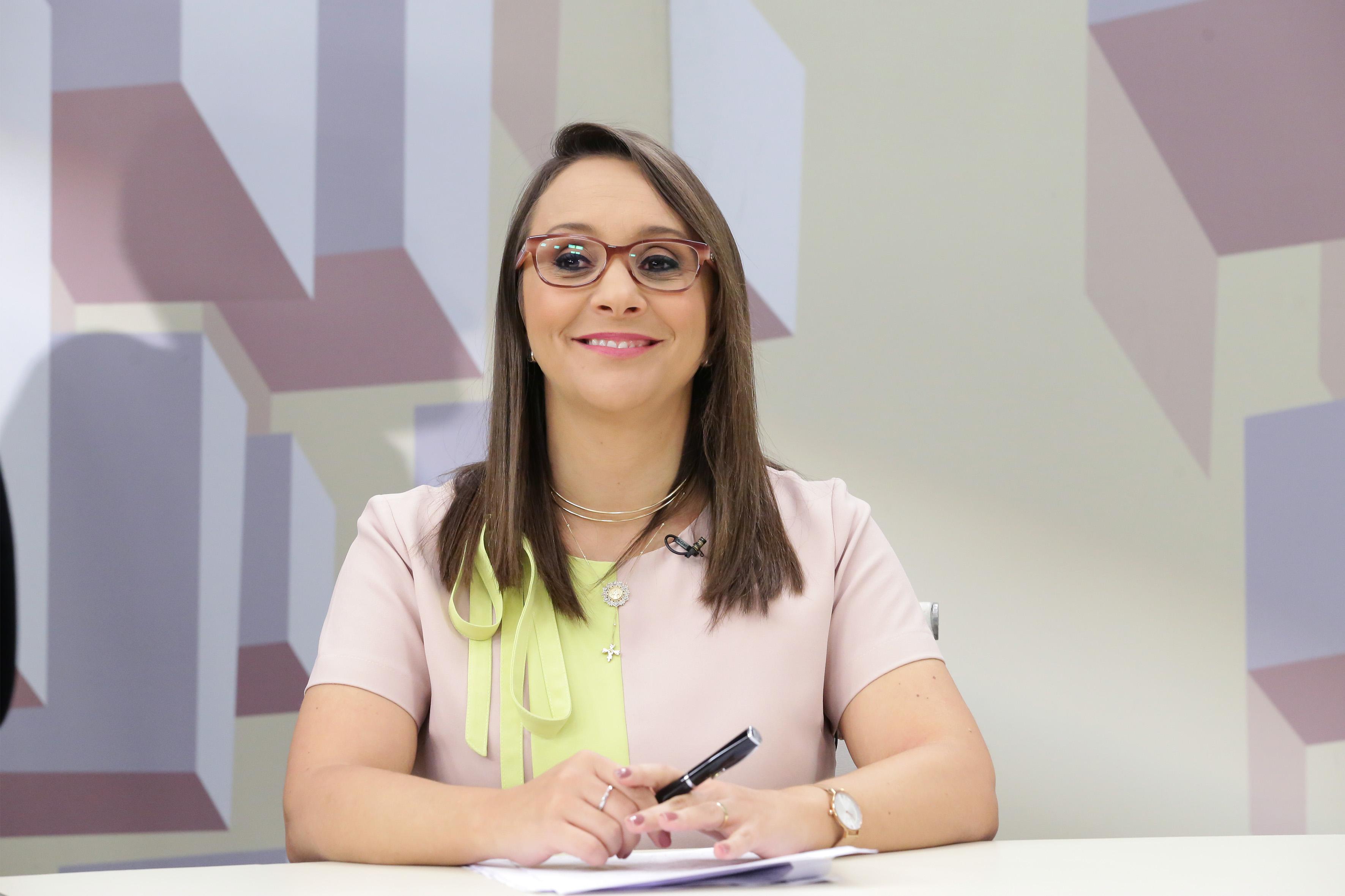 O Expressão Nacional debate o papel do Congresso Nacional no combate à violência contra as mulheres. Deputada Renata Abreu (PODE/SP)